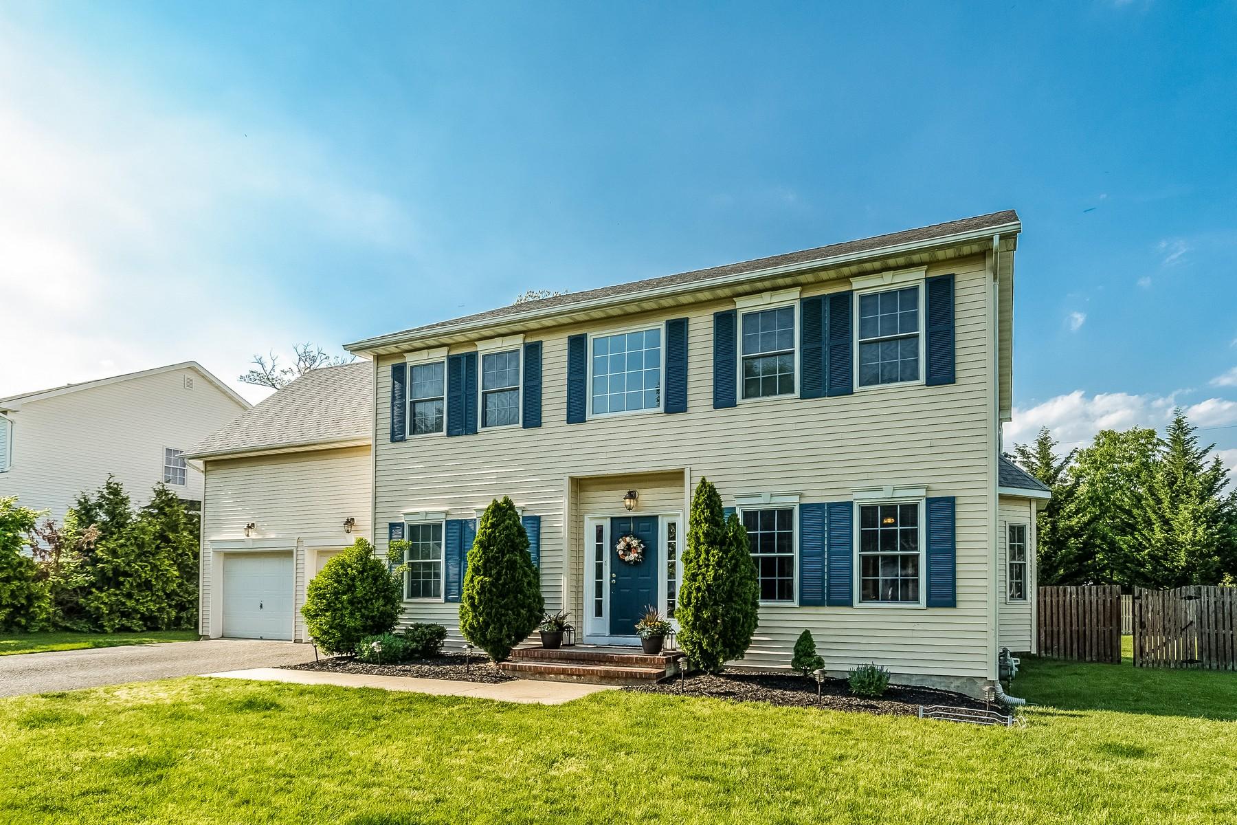 独户住宅 为 销售 在 2 Marilyn Court 伊顿敦, 新泽西州 07724 美国