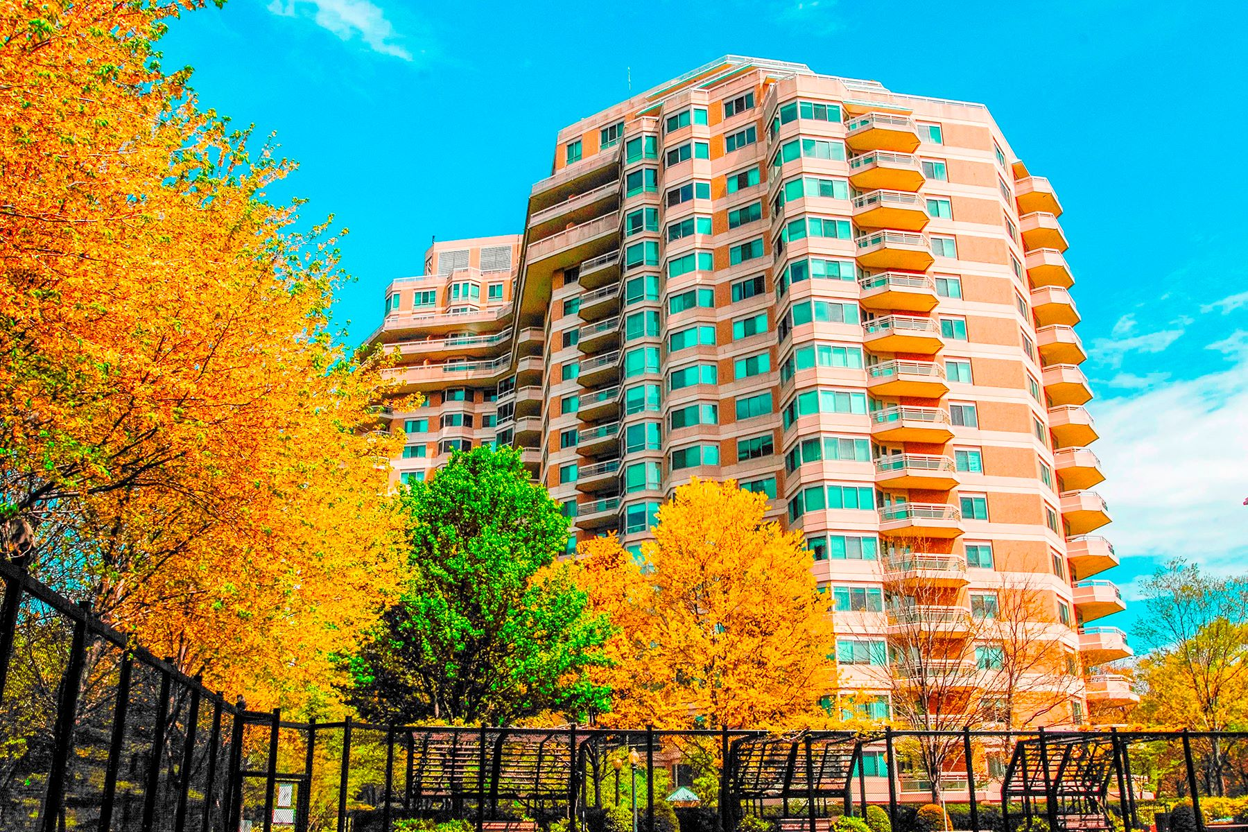 Condominio por un Venta en 5600 Wisconsin Avenue 1103,1104, Chevy Chase 5600 Wisconsin Ave 1103,1104 Chevy Chase, Maryland, 20815 Estados Unidos