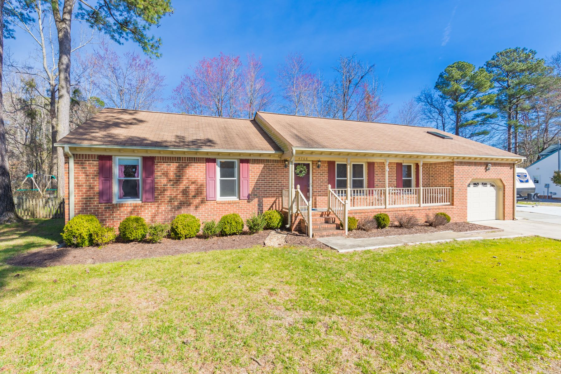 Single Family Home for Sale at Jolliff Woods 4708 Tanager Crossing Chesapeake, Virginia 23321 United States