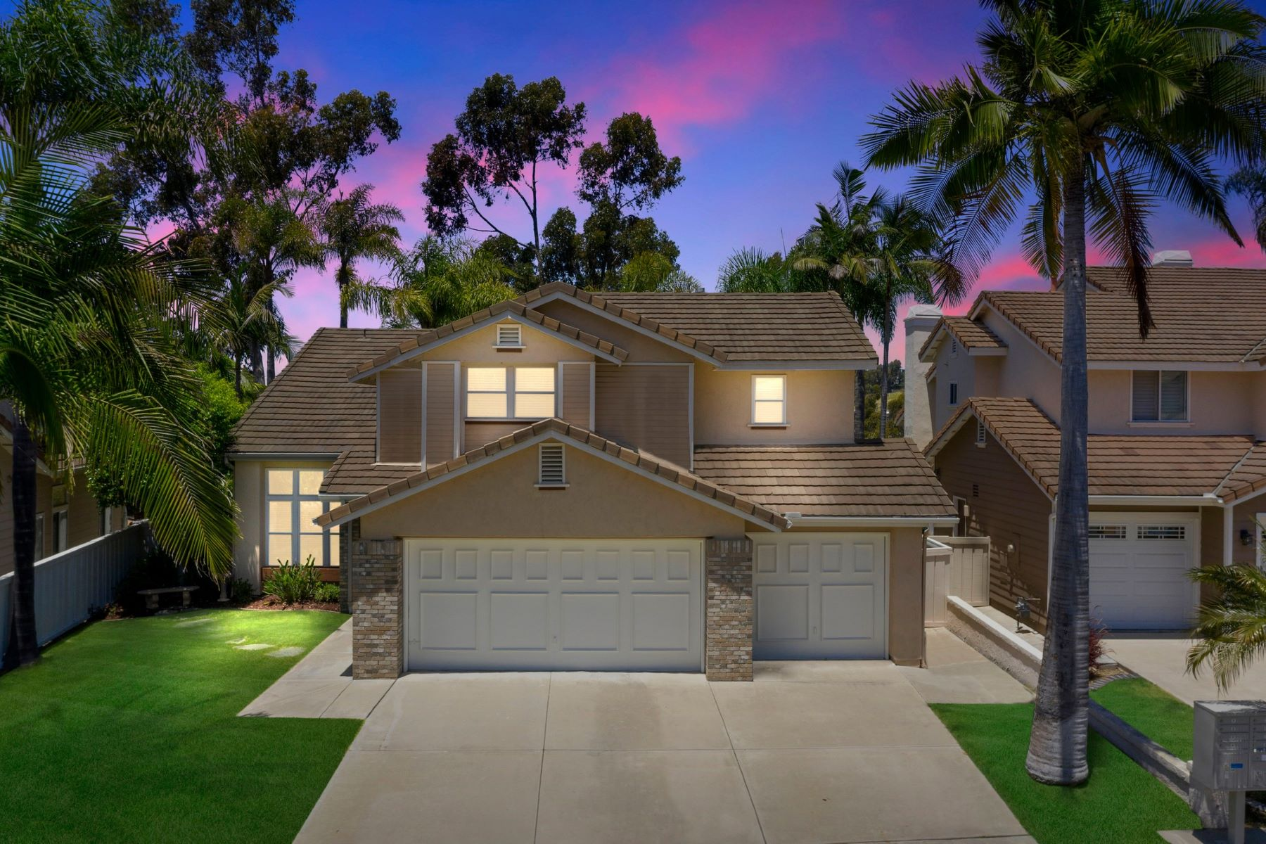 Single Family Homes for Sale at Rare Find in the Laurels 982 Hawthorne Court San Marcos, California 92078 United States