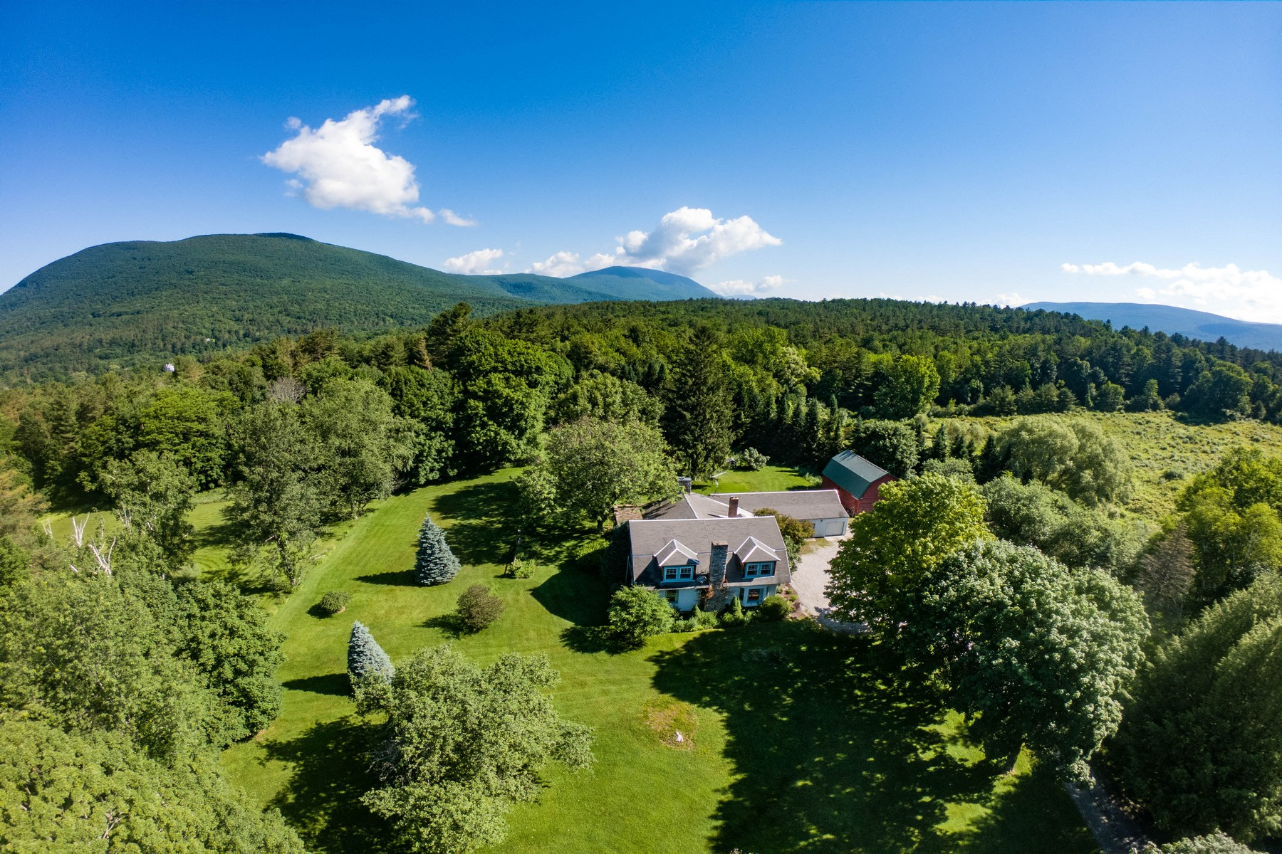 Single Family Homes for Sale at 59 Salter Hill Rd Arlington, Vermont 05250 United States