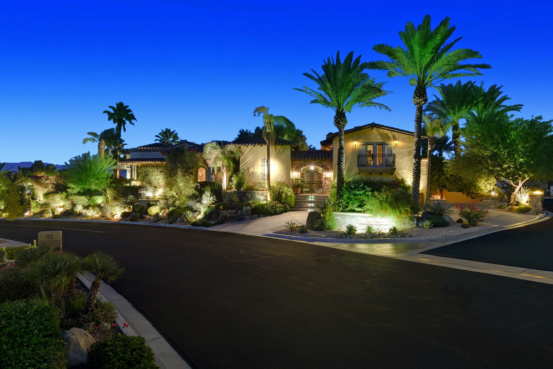 Single Family Homes for Active at 30 Grande View Ct Rancho Mirage, California 92270 United States