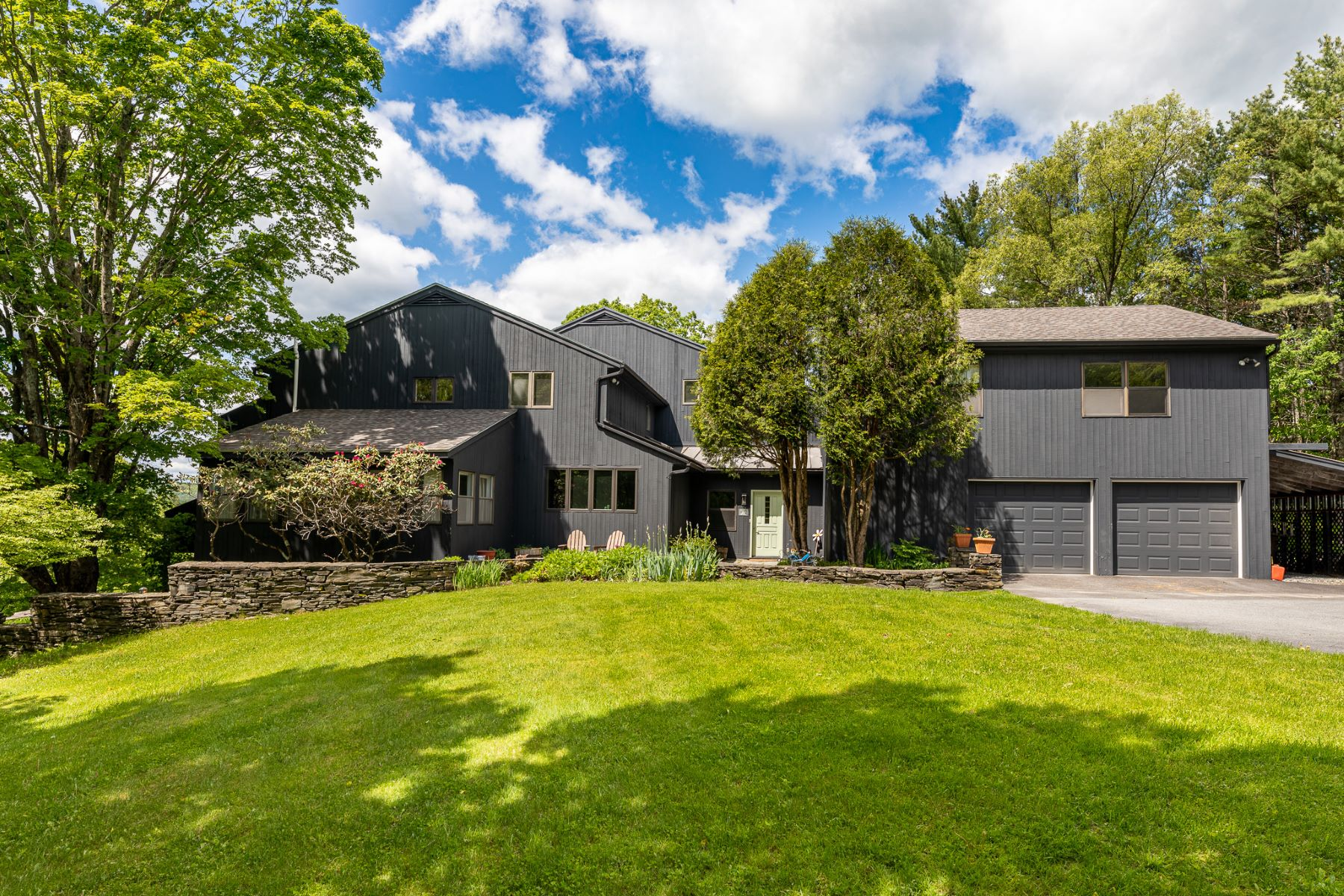 Single Family Homes for Sale at 63 Douglas Hill Road, Norwich 63 Douglas Hill Rd Norwich, Vermont 05055 United States