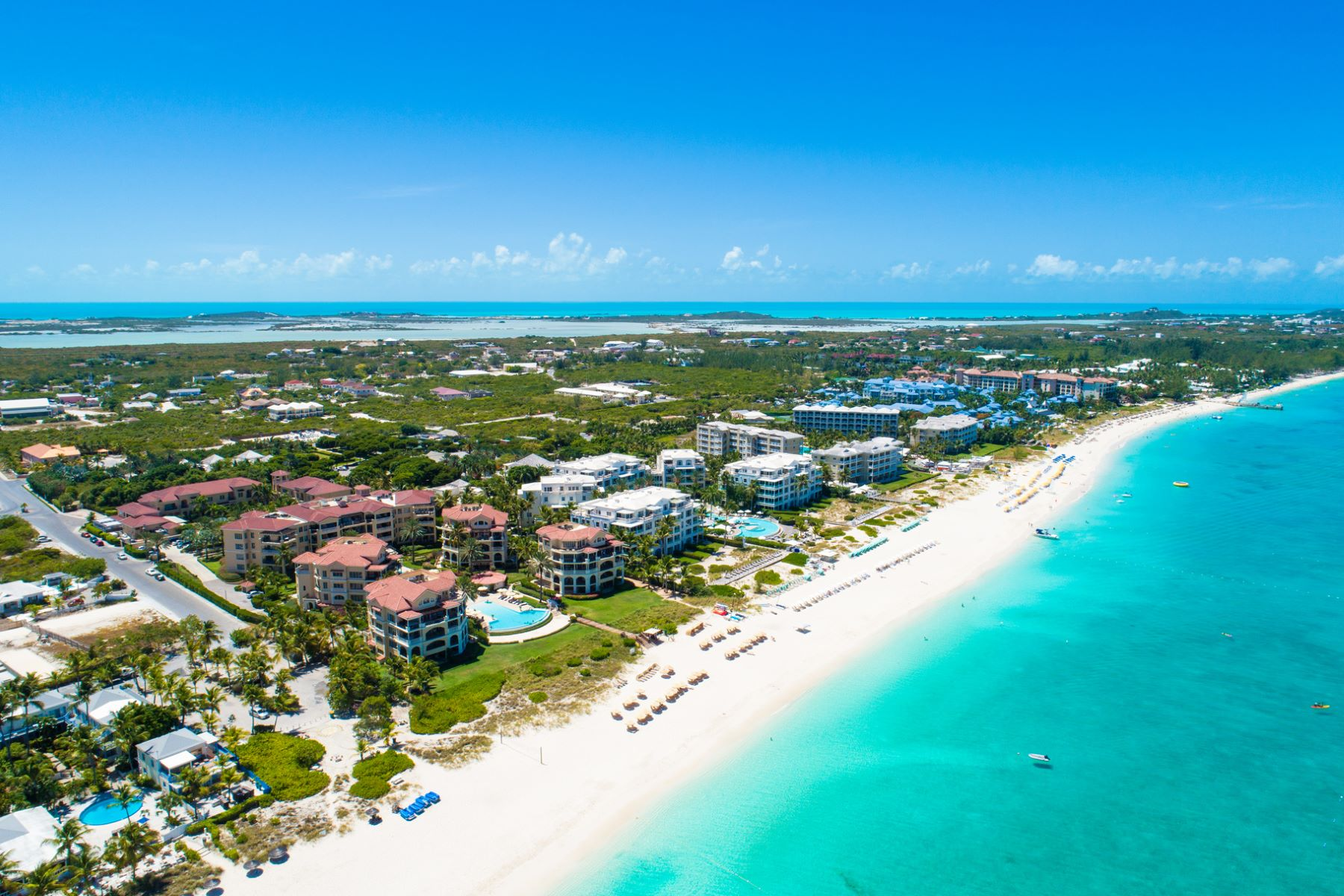 Additional photo for property listing at B101 The Somerset Dundee Estates Beachfront Grace Bay, Providenciales TKCA 1ZZ Islas Turcas Y Caicos