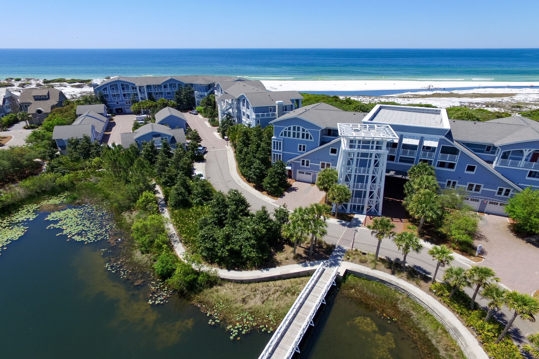 Copropriété pour l Vente à TOP FLOOR RETREAT CAPTURING STUNNING VIEWS OF GULF AND BEACH 100 S Bridge Lane C427 Watersound, Florida, 32461 États-Unis
