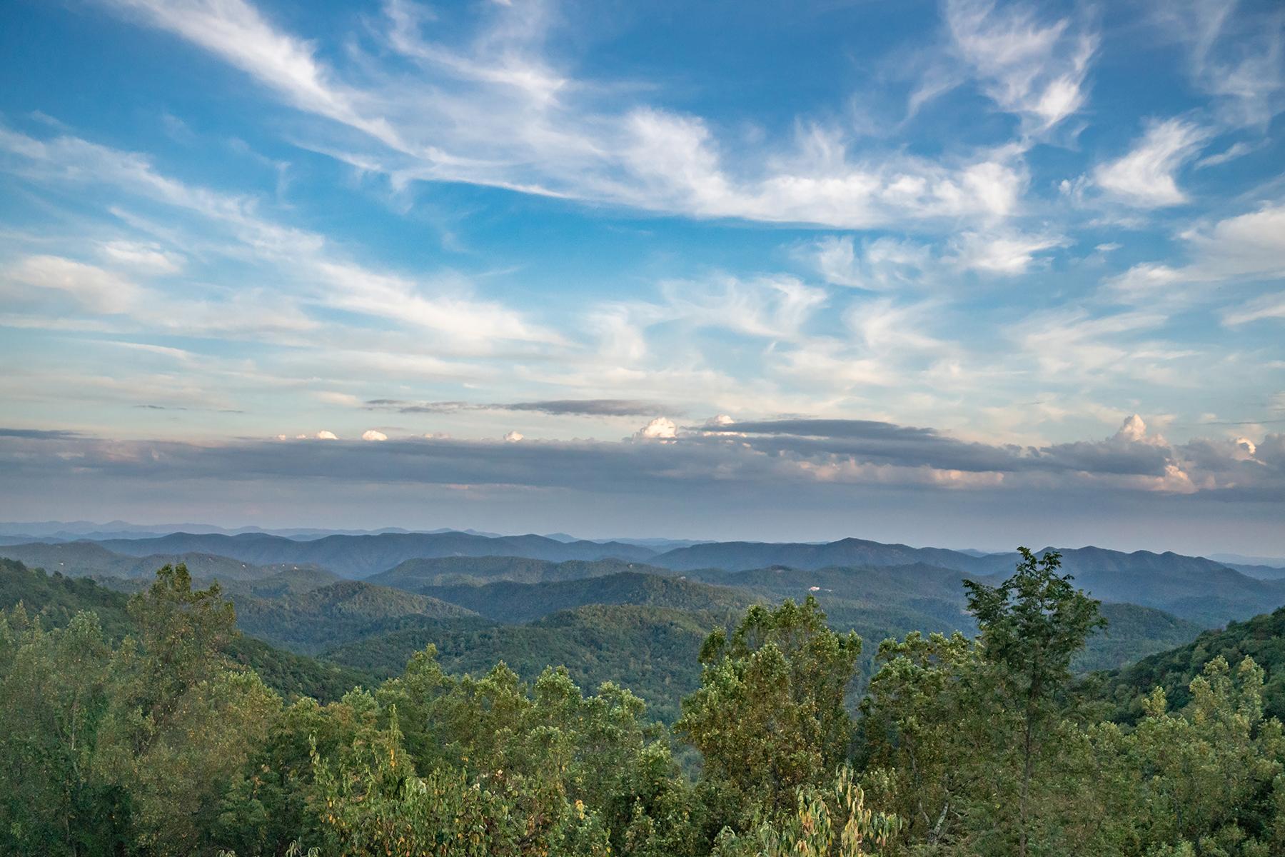 Single Family Homes for Sale at THUNDERHILL ESTATES - BOONE 1469 Orchard Ln Boone, North Carolina 28607 United States