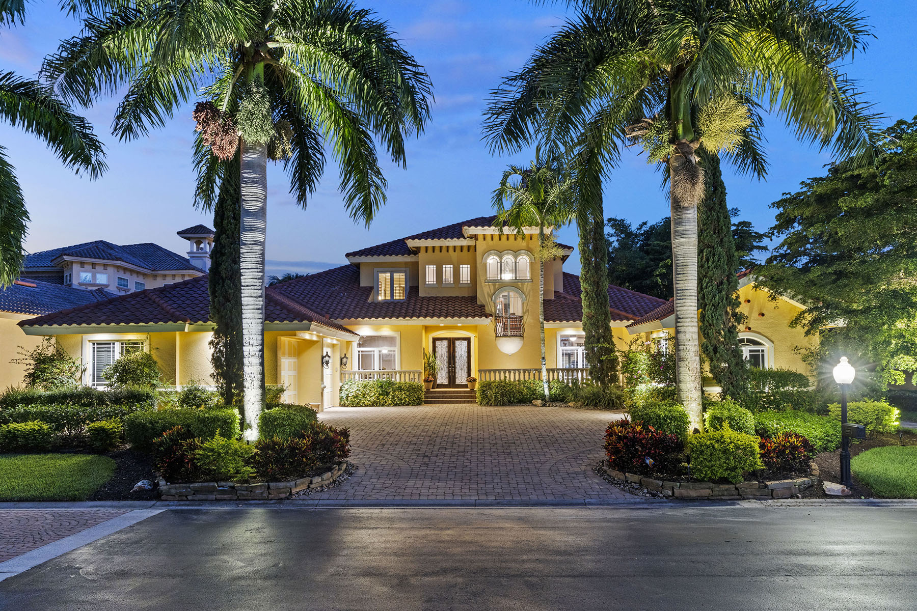 Single Family Homes for Sale at 11371 Compass Point DR 11371 Compass Point Drive, Fort Myers, Florida 33908 United States