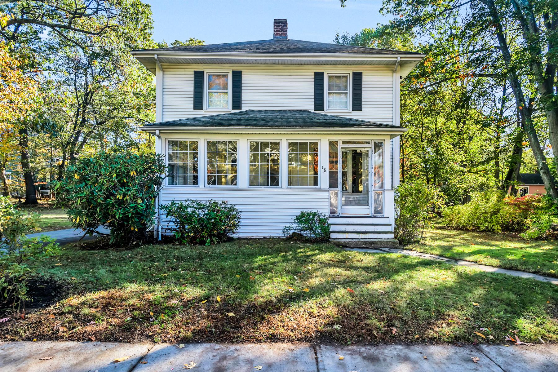 獨棟家庭住宅 為 出售 在 18 Ionia Street, Newton Newton, 麻塞諸塞州, 02466 美國