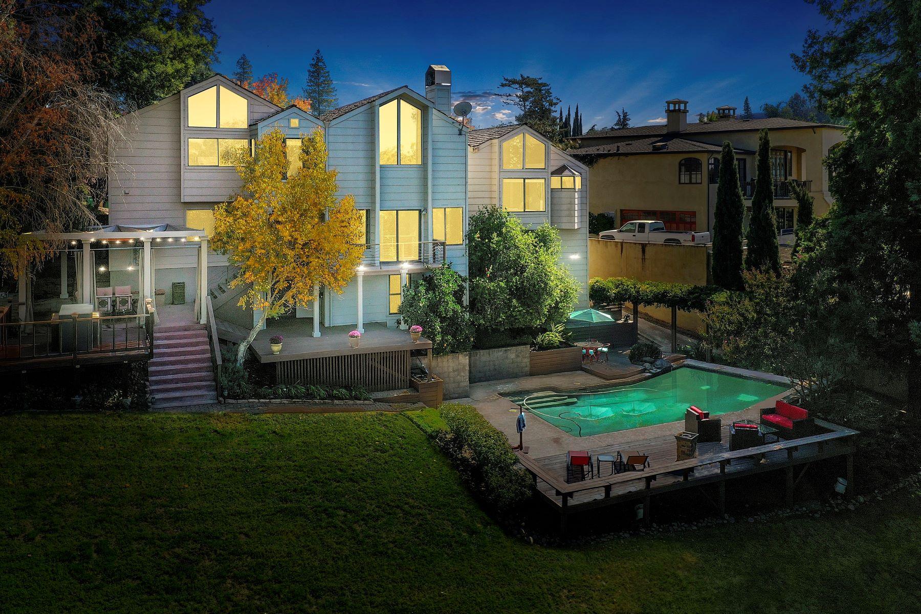 Single Family Homes para Venda às Extraordinary Architecture And Elegnace 19953 N Ian Court, Lockeford, Califórnia 95237 Estados Unidos