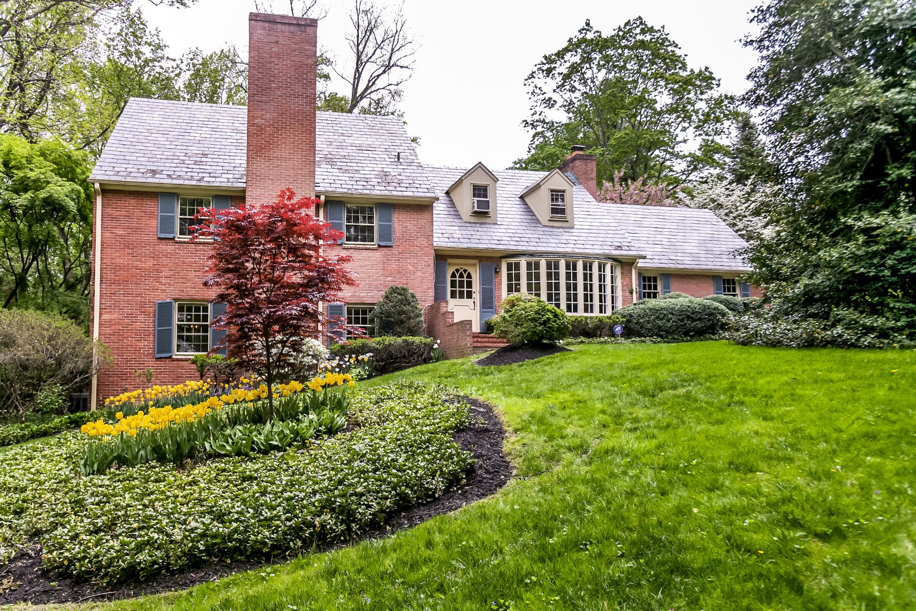 Single Family Homes para Venda às Ruxton Area 1000 Rolandvue Road, Towson, Maryland 21204 Estados Unidos