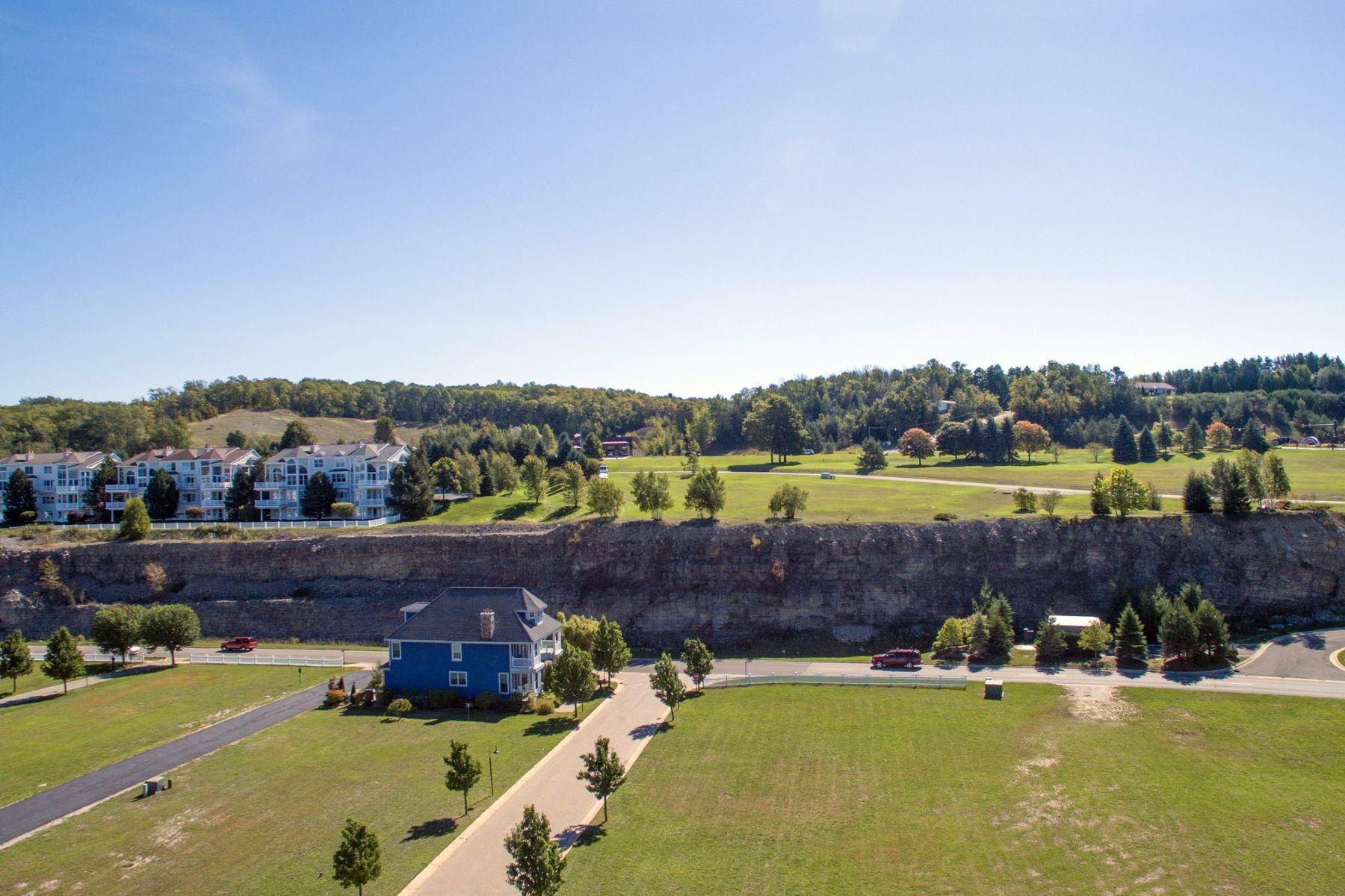Additional photo for property listing at Unit 11, The Ridge 3728 Cliffs Drive, Unit 11,  The Ridge Bay Harbor, Michigan 49770 United States
