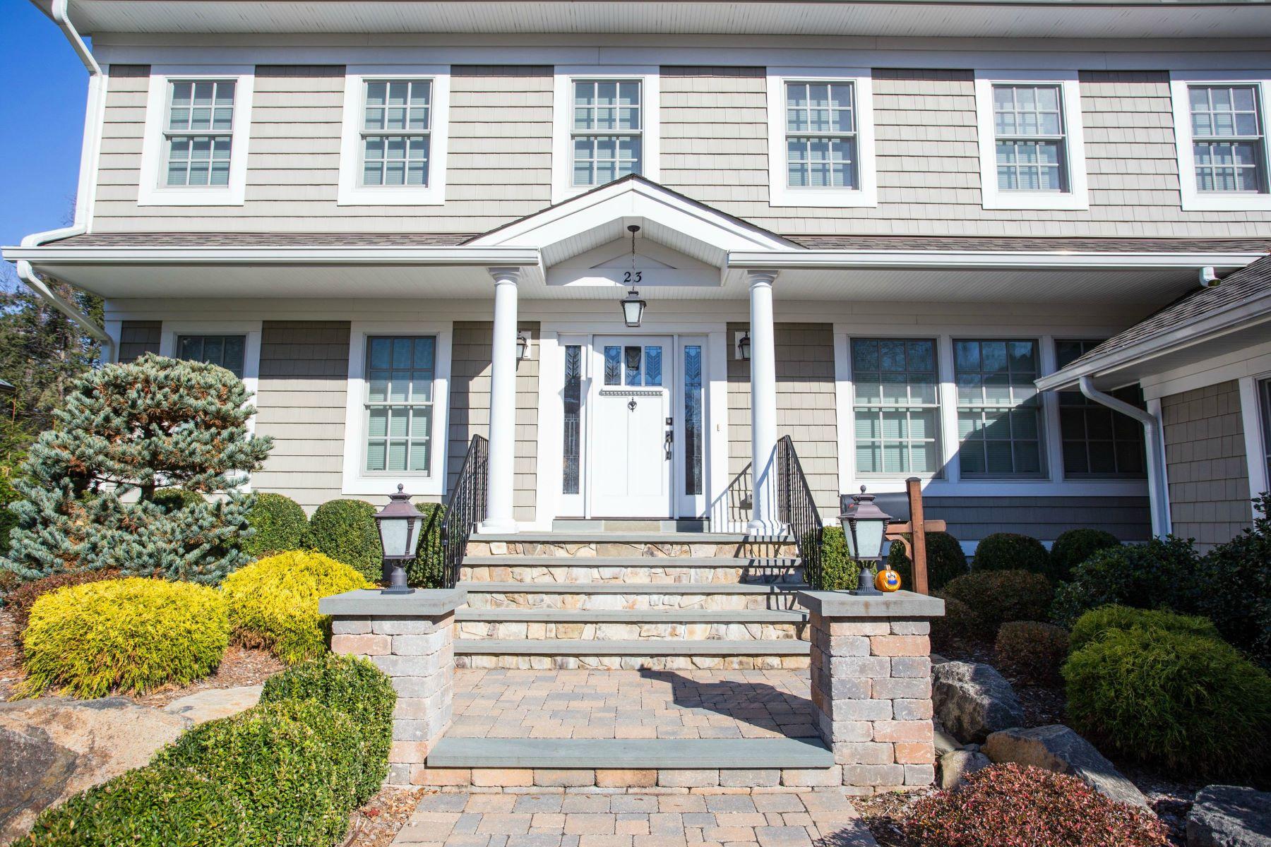 Single Family Homes por un Venta en Beautifully Renovated in Tenafly! 23 Sisson Terrace Tenafly, Nueva Jersey 07670 Estados Unidos