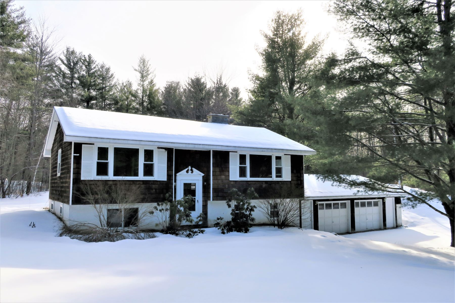 Single Family Homes for Sale at 7642 Vermont 30 Route Jamaica, Vermont 05343 United States