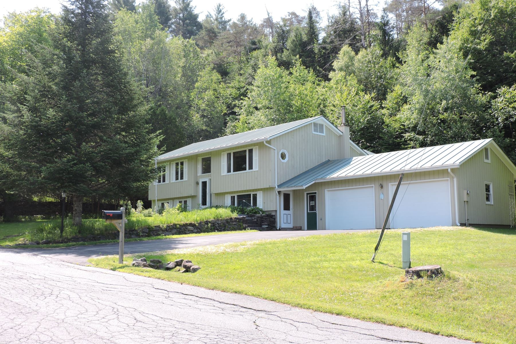 Single Family Homes for Sale at 236 Farmer Drive, St. Johnsbury 236 Farmer Dr St. Johnsbury, Vermont 05819 United States