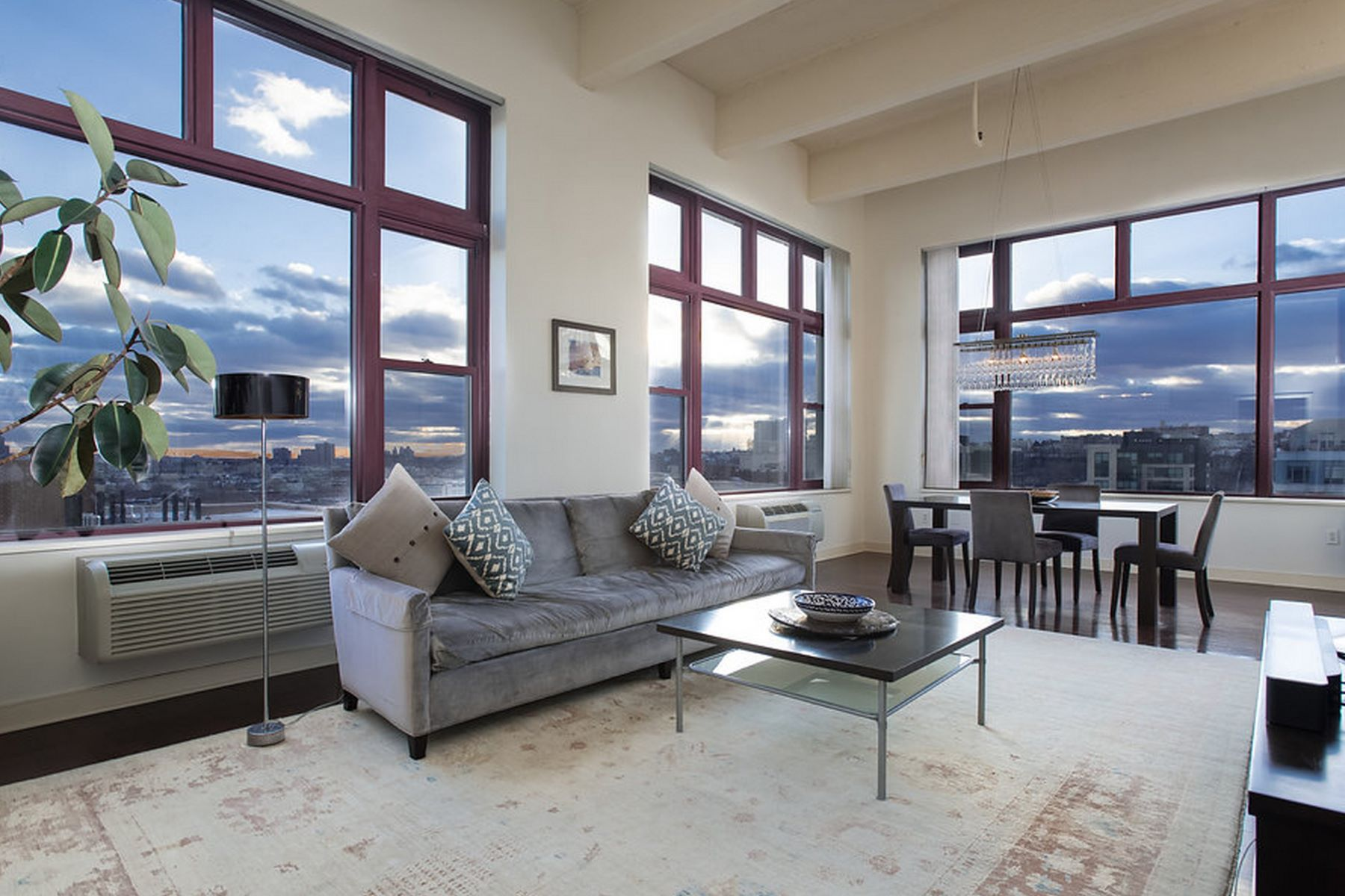 共管物業 為 出售 在 Uptown Waterfront Living at Hudson Tea 1500 Hudson Street #10Q Hoboken, 新澤西州, 07030 美國