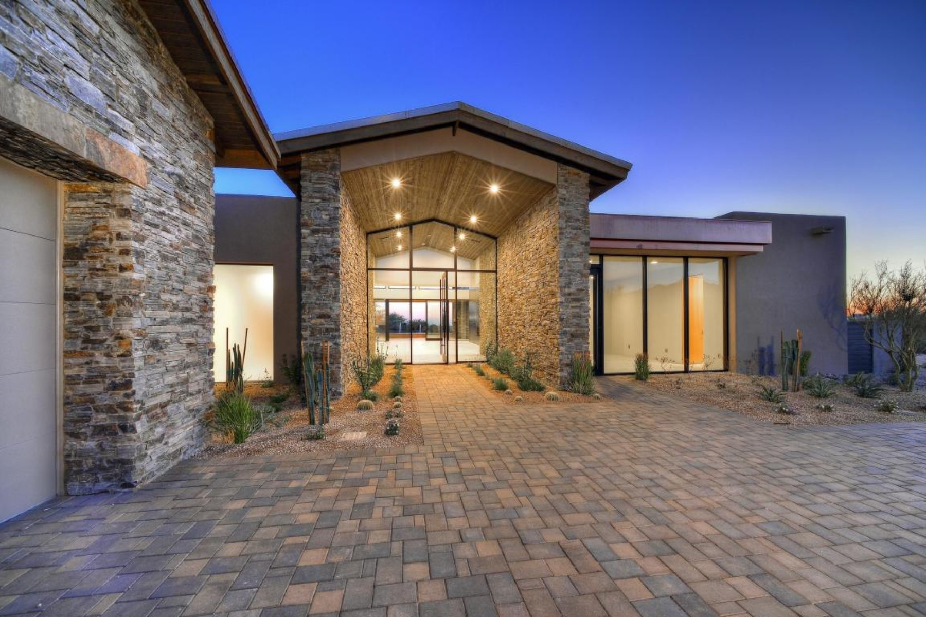 Single Family Home for Sale at Single level rustic contemporary in Desert Mountain 39801 N 100th St, Scottsdale, Arizona, 85262 United States
