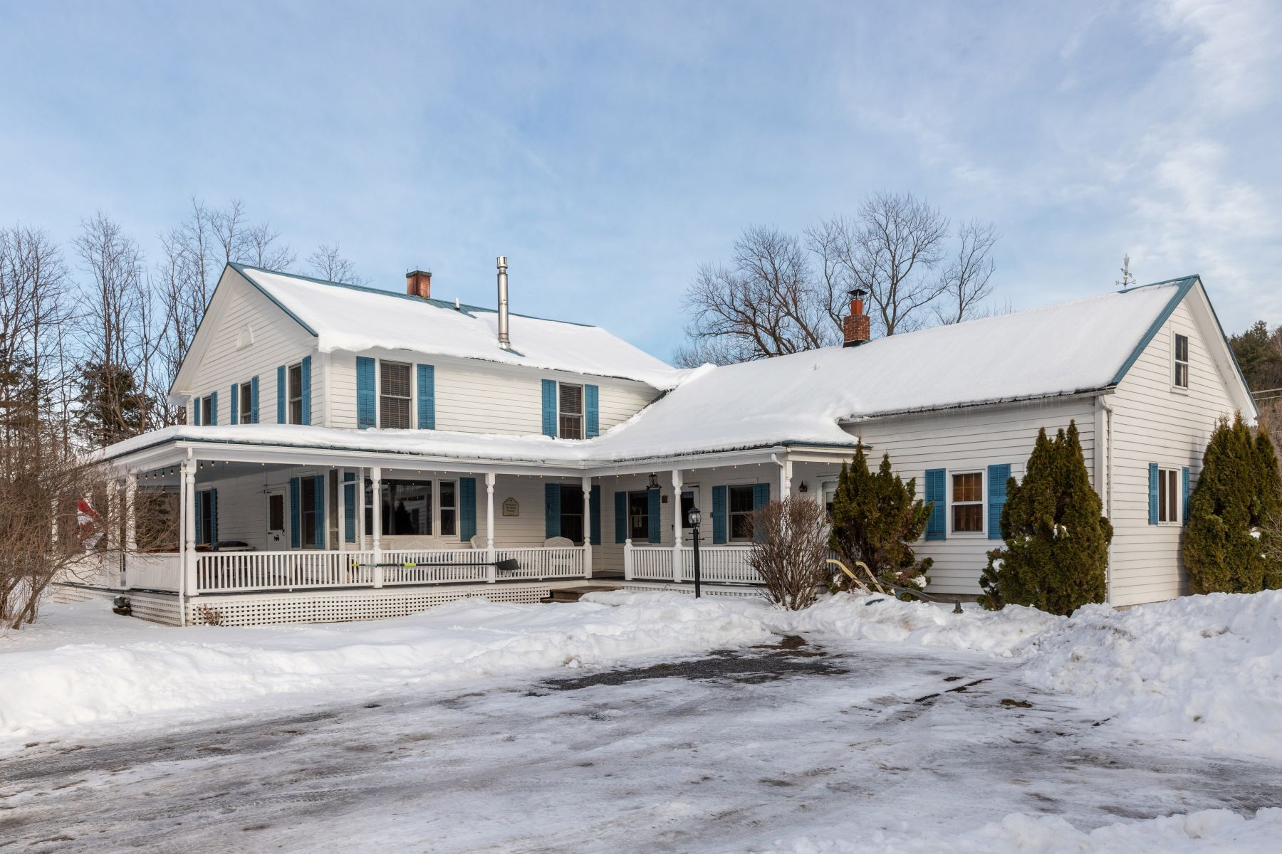 Single Family Homes for Sale at 384 West Milton Road, Milton 384 West Milton Rd Milton, Vermont 05468 United States