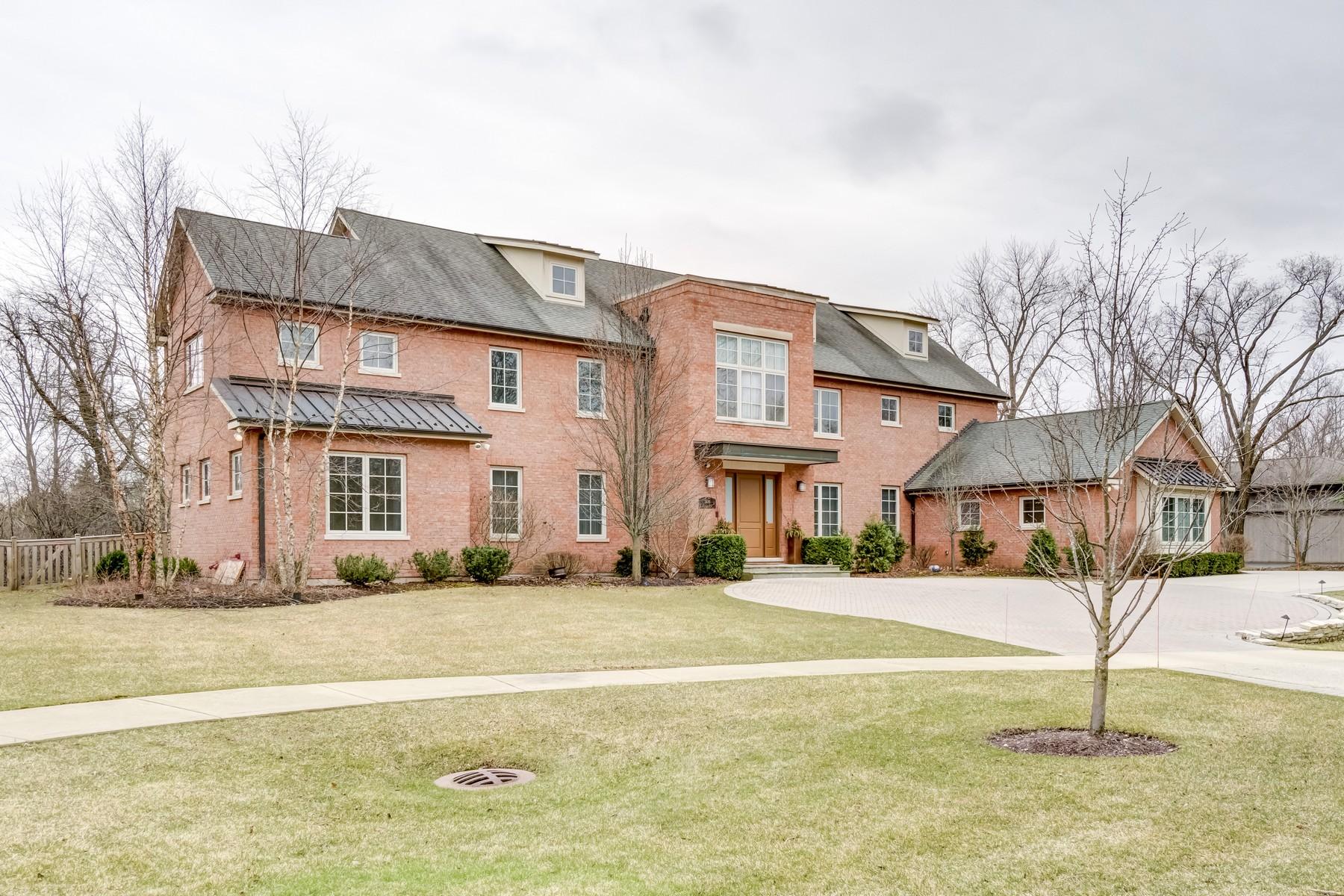 独户住宅 为 销售 在 Elegant Highland Park Home 1836 Cooper Lane 海兰帕克, 伊利诺斯州, 60035 美国