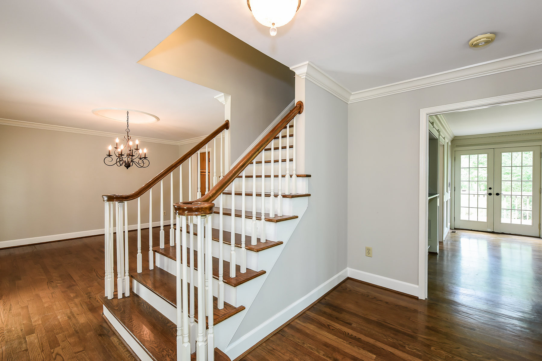 Additional photo for property listing at Live the Atlanta County Club Lifestyle 685 Willow Knoll Drive Marietta, Georgia 30067 United States