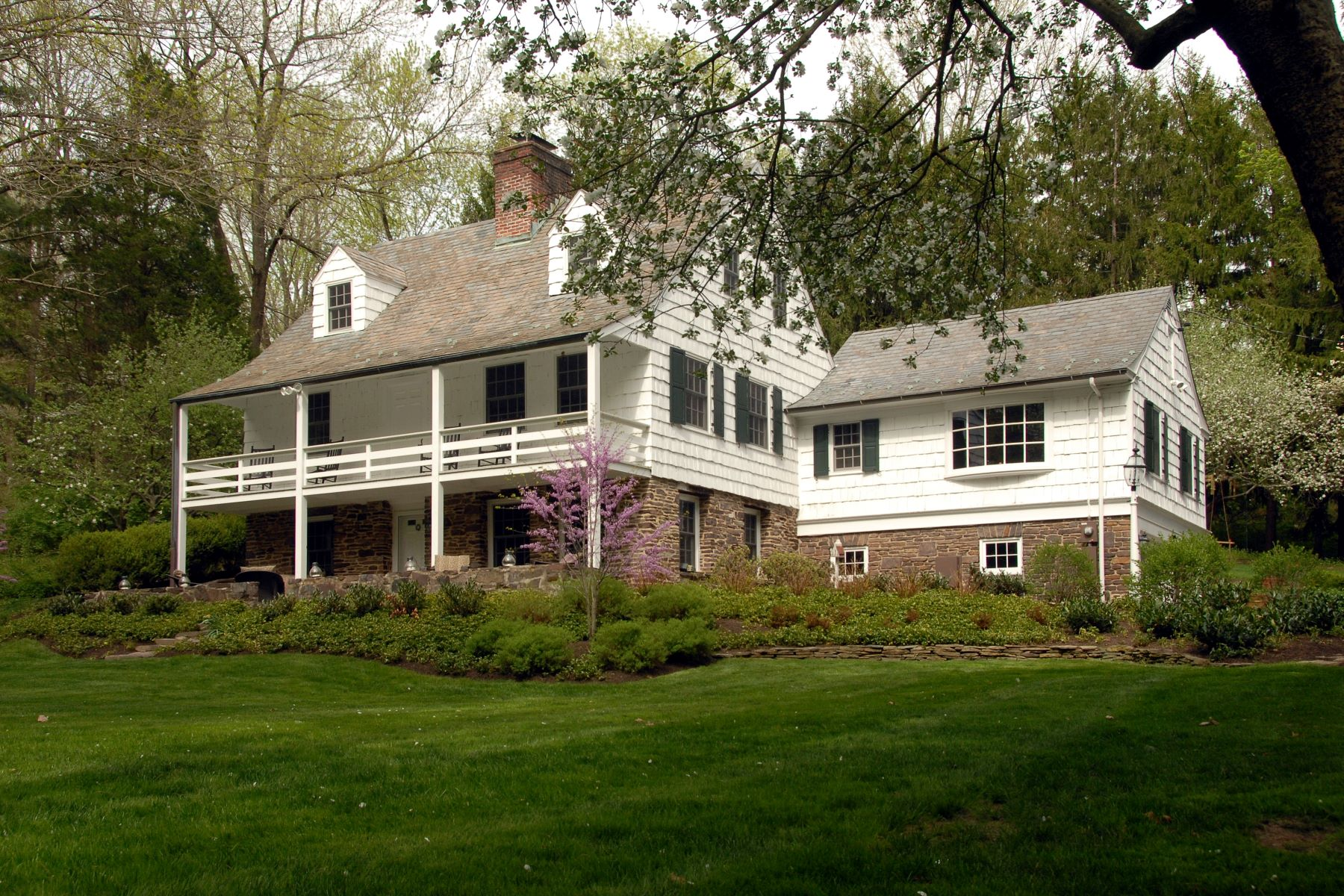 Single Family Home for Sale at Style and Substance! 565 Pretty Brook Road, Princeton, New Jersey 08540 United StatesMunicipality: Princeton