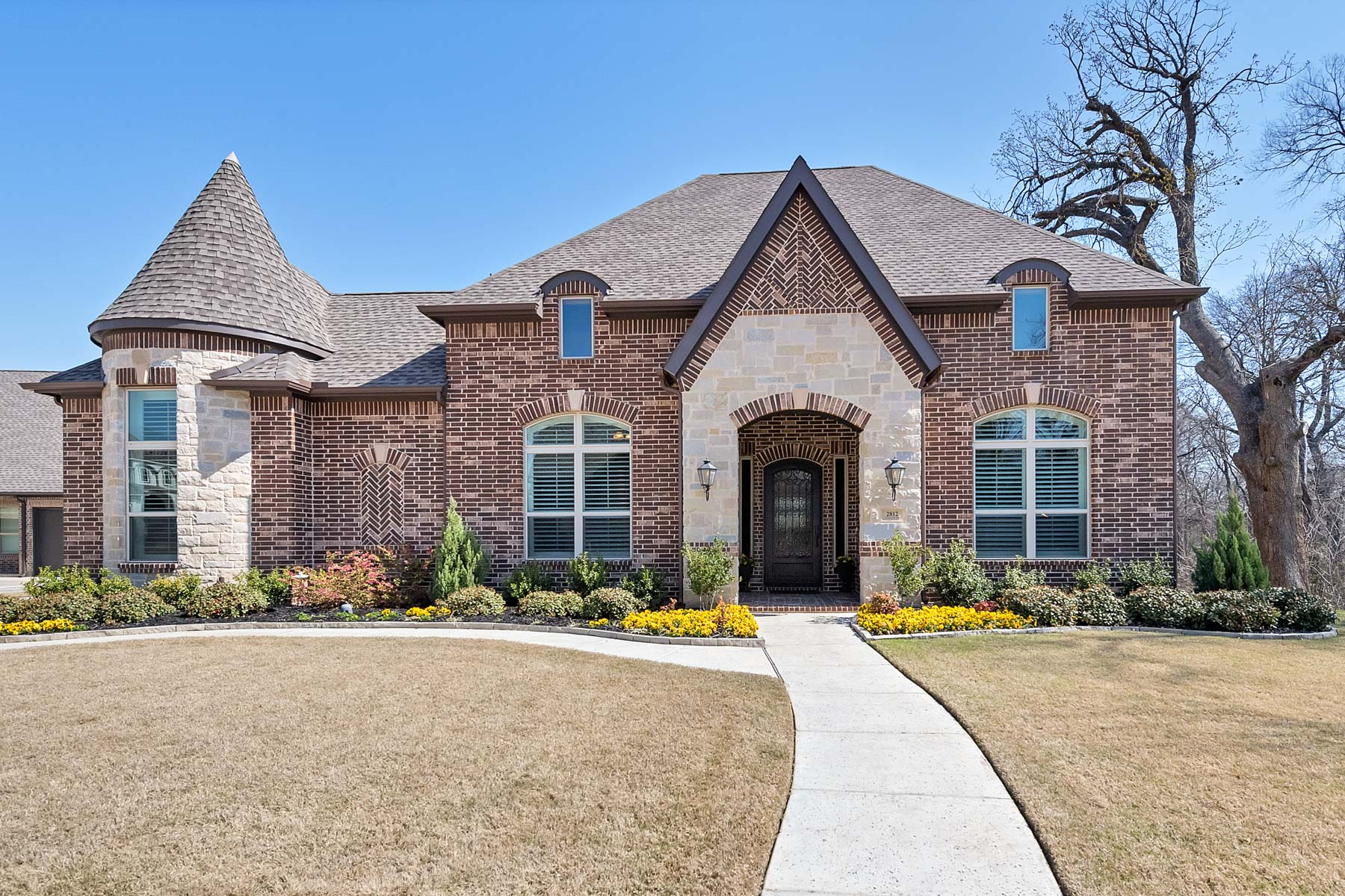 Single Family Home for Sale at Impeccable One Story In The Preserve. Barely Two Years Old with every upgrade. 2812 Winding Path Way Flower Mound, Texas 75022 United States