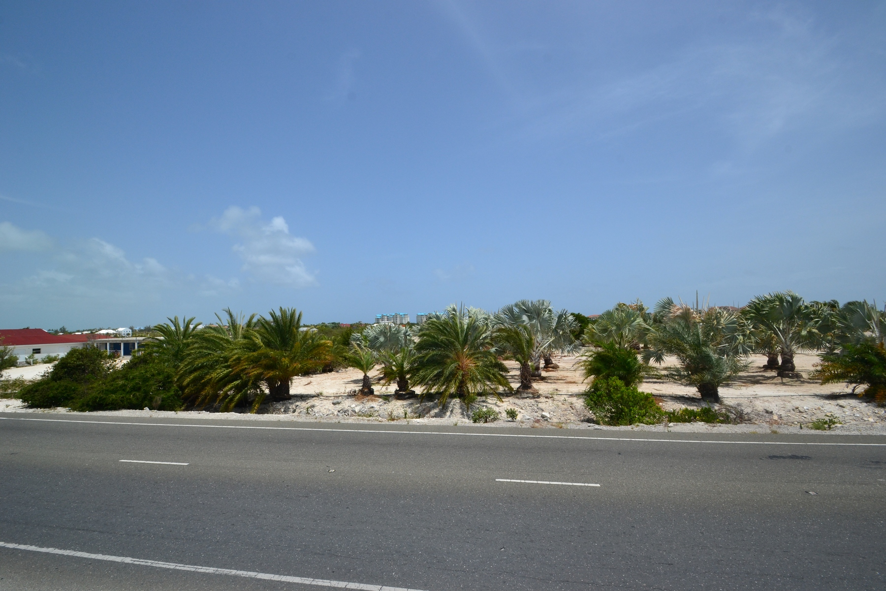 Additional photo for property listing at Large Parcel on Leeward Highway Leeward Highway Grace Bay, Провиденсьялес TKCA 1ZZ Теркс И Кайкос