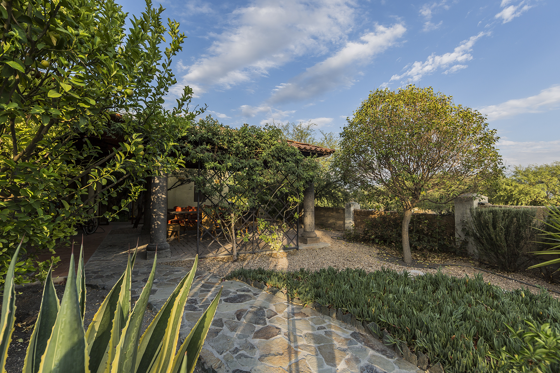 Additional photo for property listing at Casa Tinka Los Labradores, San Miguel De Allende, Guanajuato Mexico