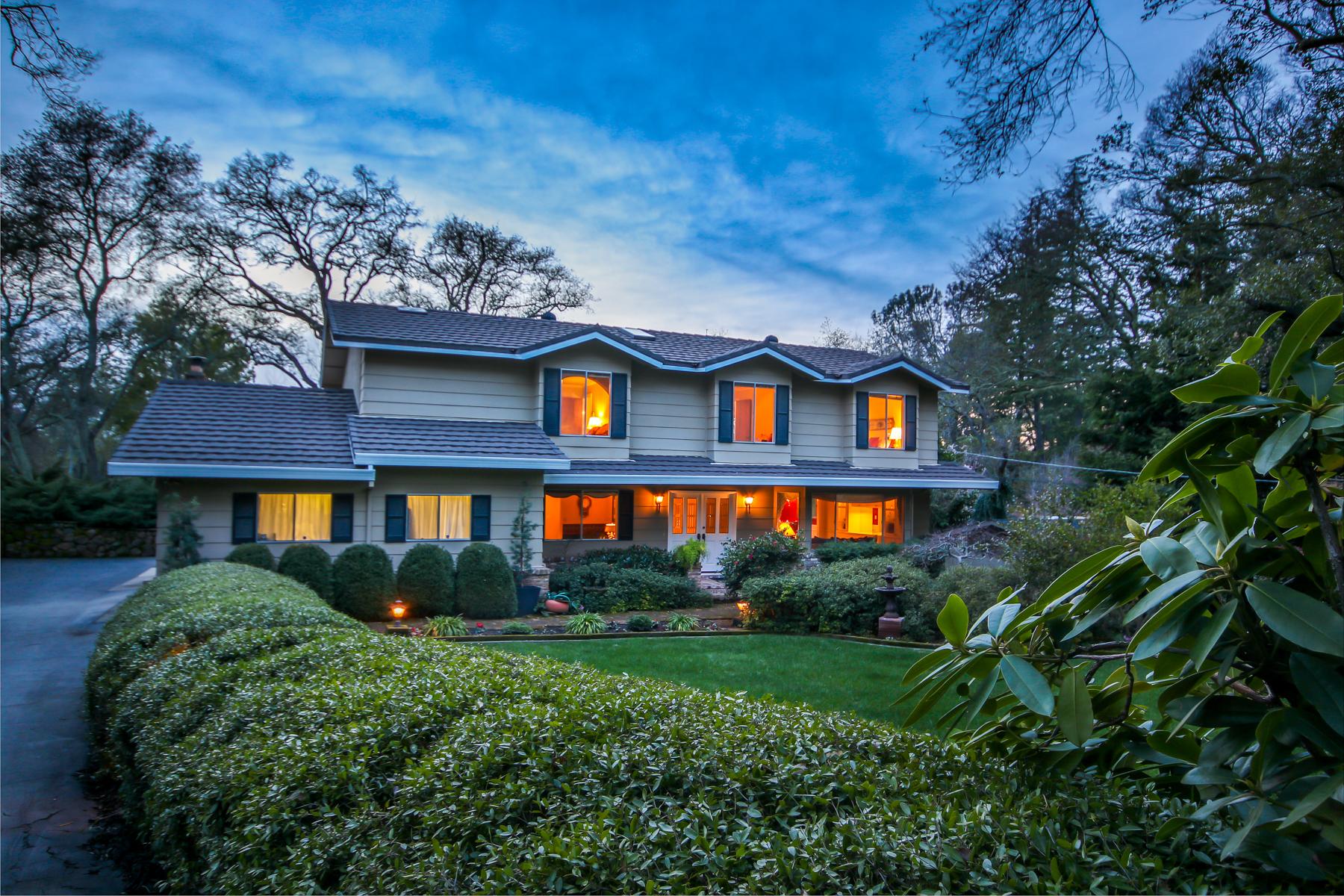 独户住宅 为 销售 在 8182 N Lake Cir, Granite Bay, CA 95746 8182 N Lake Cir Granite Bay, 加利福尼亚州 95746 美国