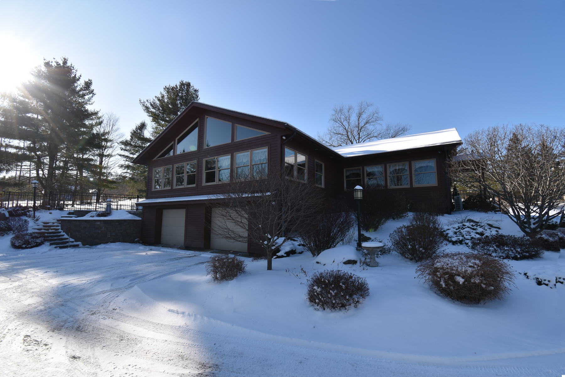 Single Family Homes for Sale at Gracious Ranch Style Home on 5+ Acres 1387 Mckinley Ave Rutland Town, Vermont 05701 United States