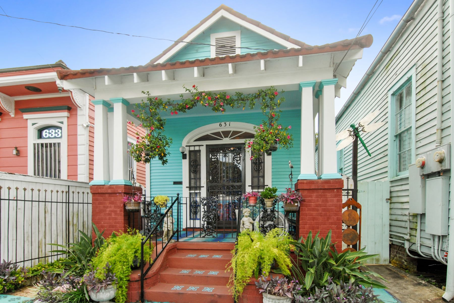 Single Family Homes for Sale at 631 France Street New Orleans, Louisiana 70117 United States