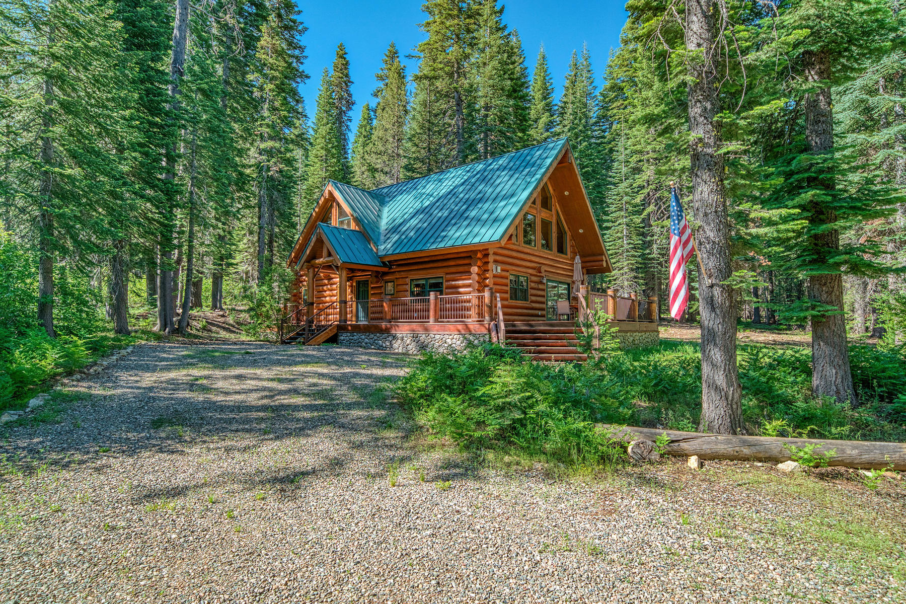Single Family Homes por un Venta en Custom Bucks Lake Retreat 1160 Grizzly Loop Bucks Lake, California 95971 Estados Unidos