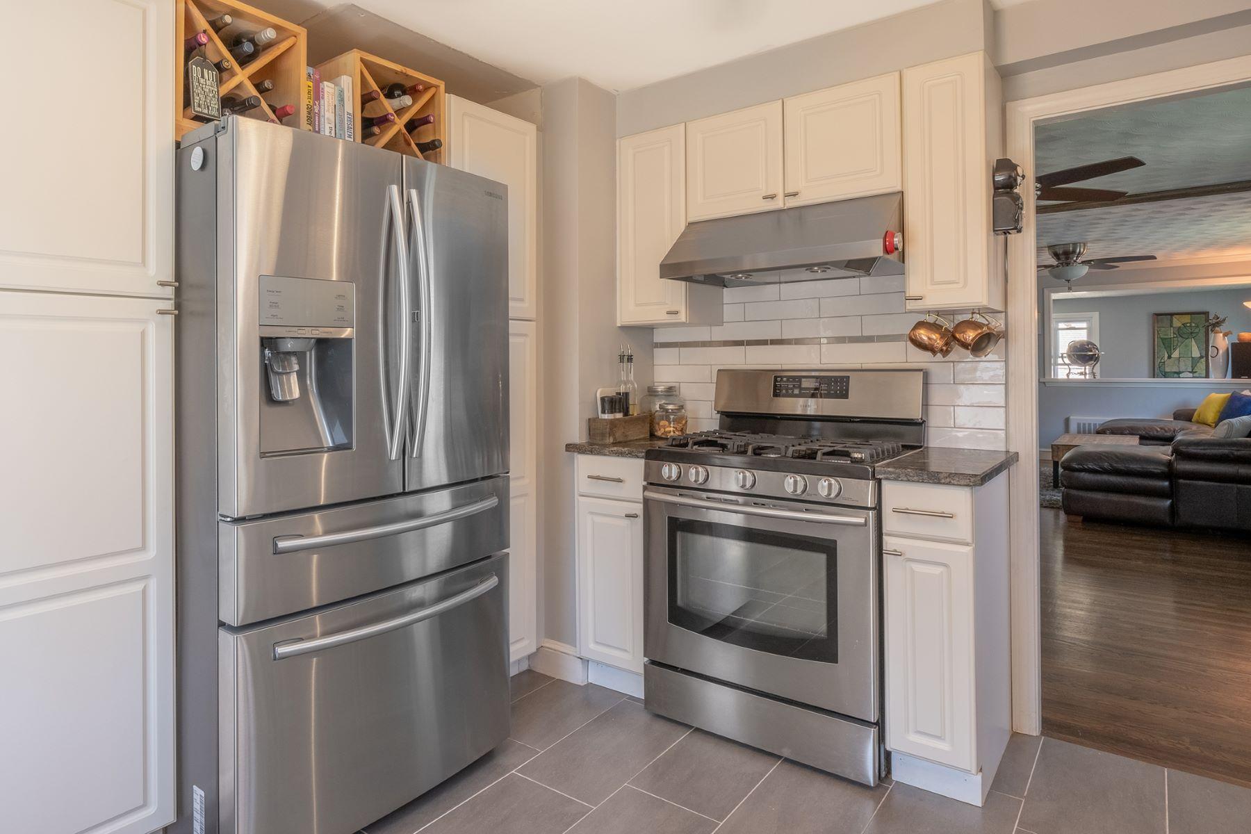 Condominiums pour l Vente à 9 Chandler St 9 Watertown, Massachusetts 02472 États-Unis