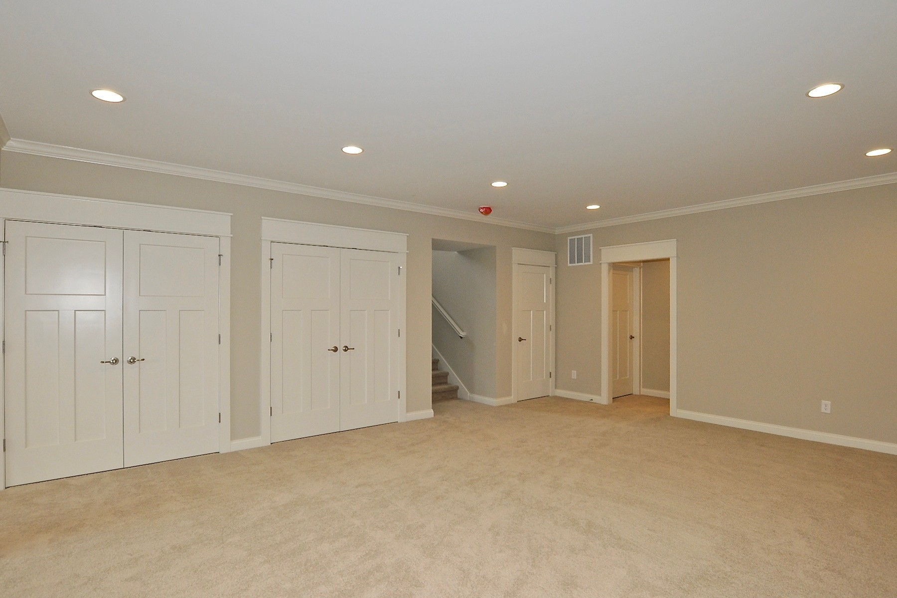 Additional photo for property listing at Top of the Line Finishes 9915 S. Towne Lane Carmel, Indiana 46033 United States