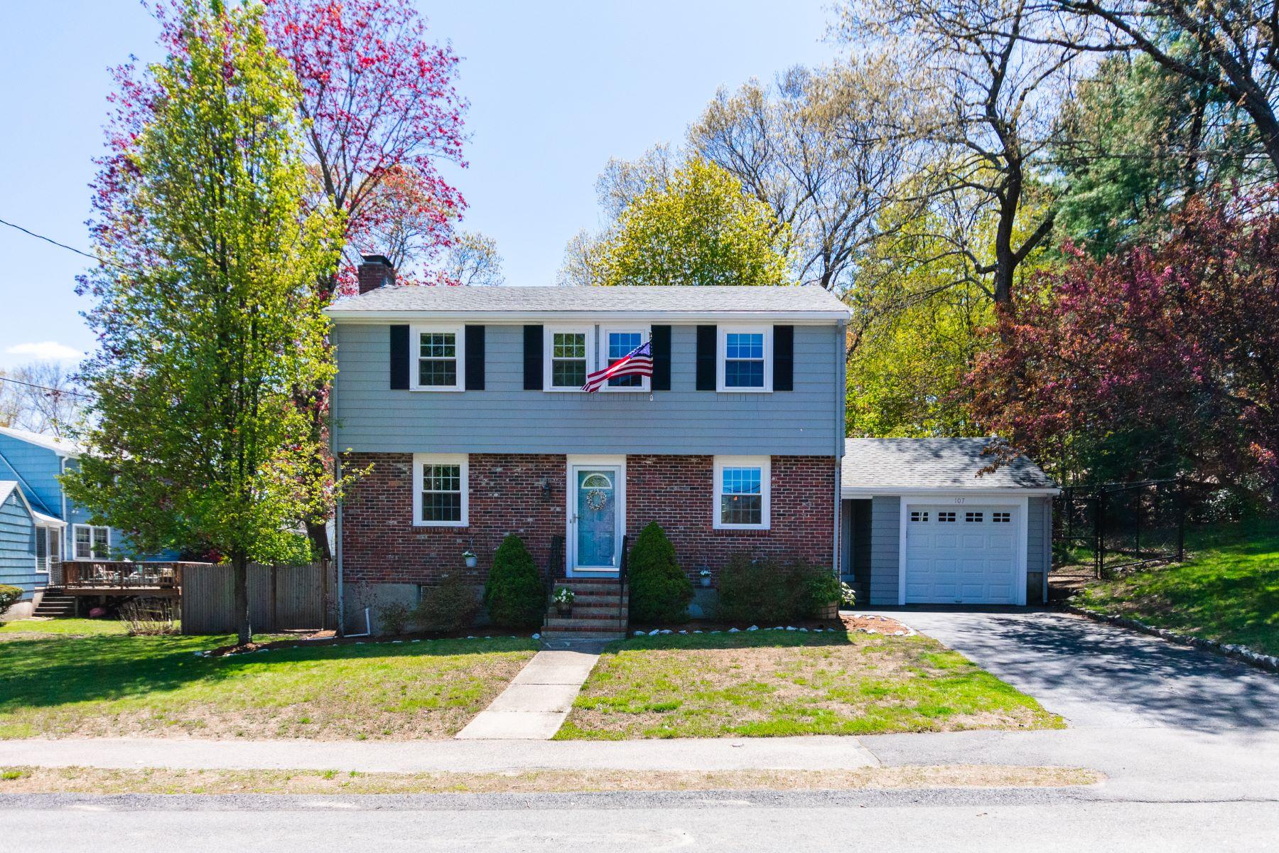 107 Colwell Dr  Dedham, Massachusetts 02026 Hoa Kỳ