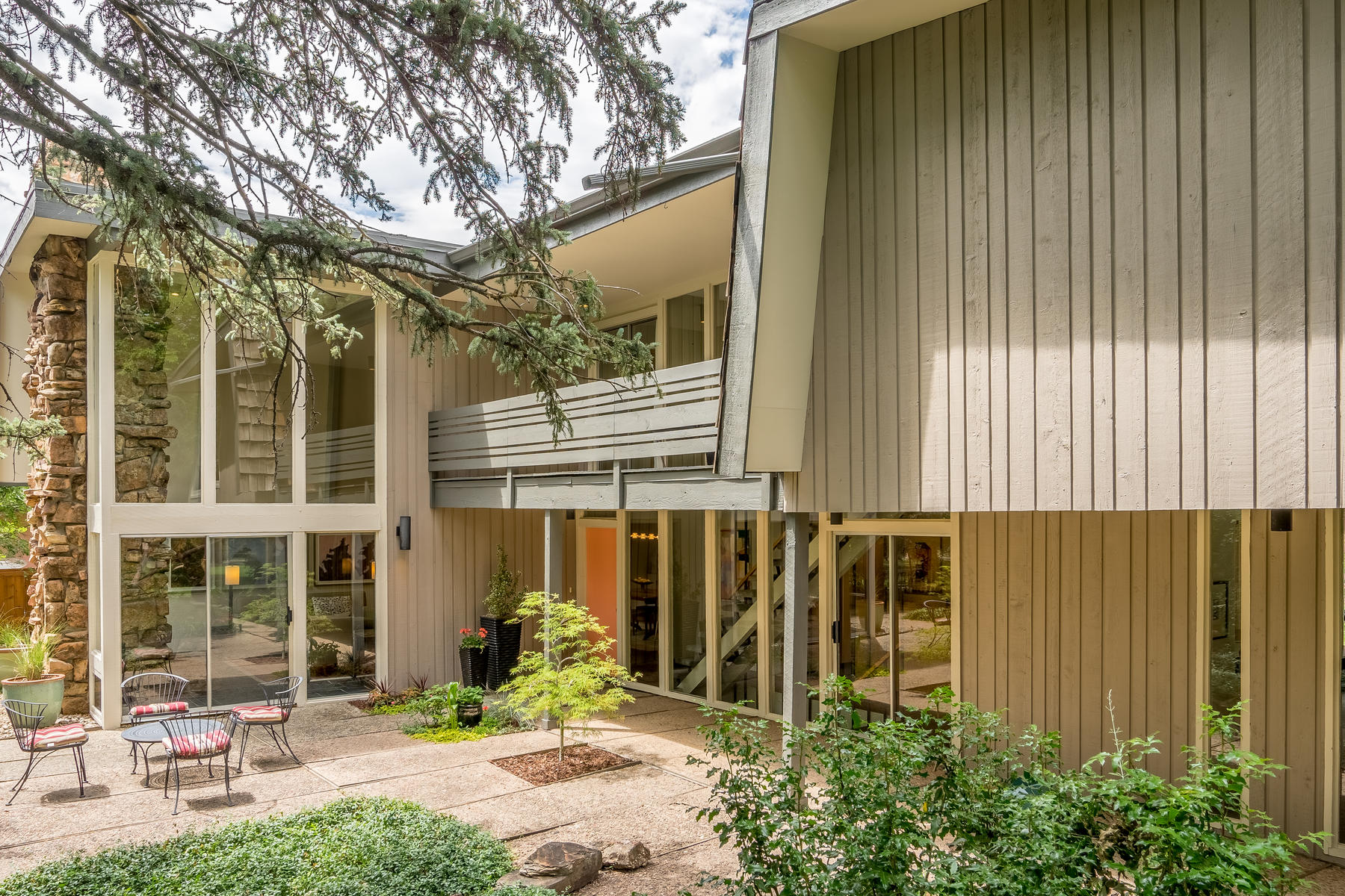 Single Family Home for Active at One Of A kind Mid-Century Modern Masterpiece! 1701 Forest Parkway Denver, Colorado 80220 United States