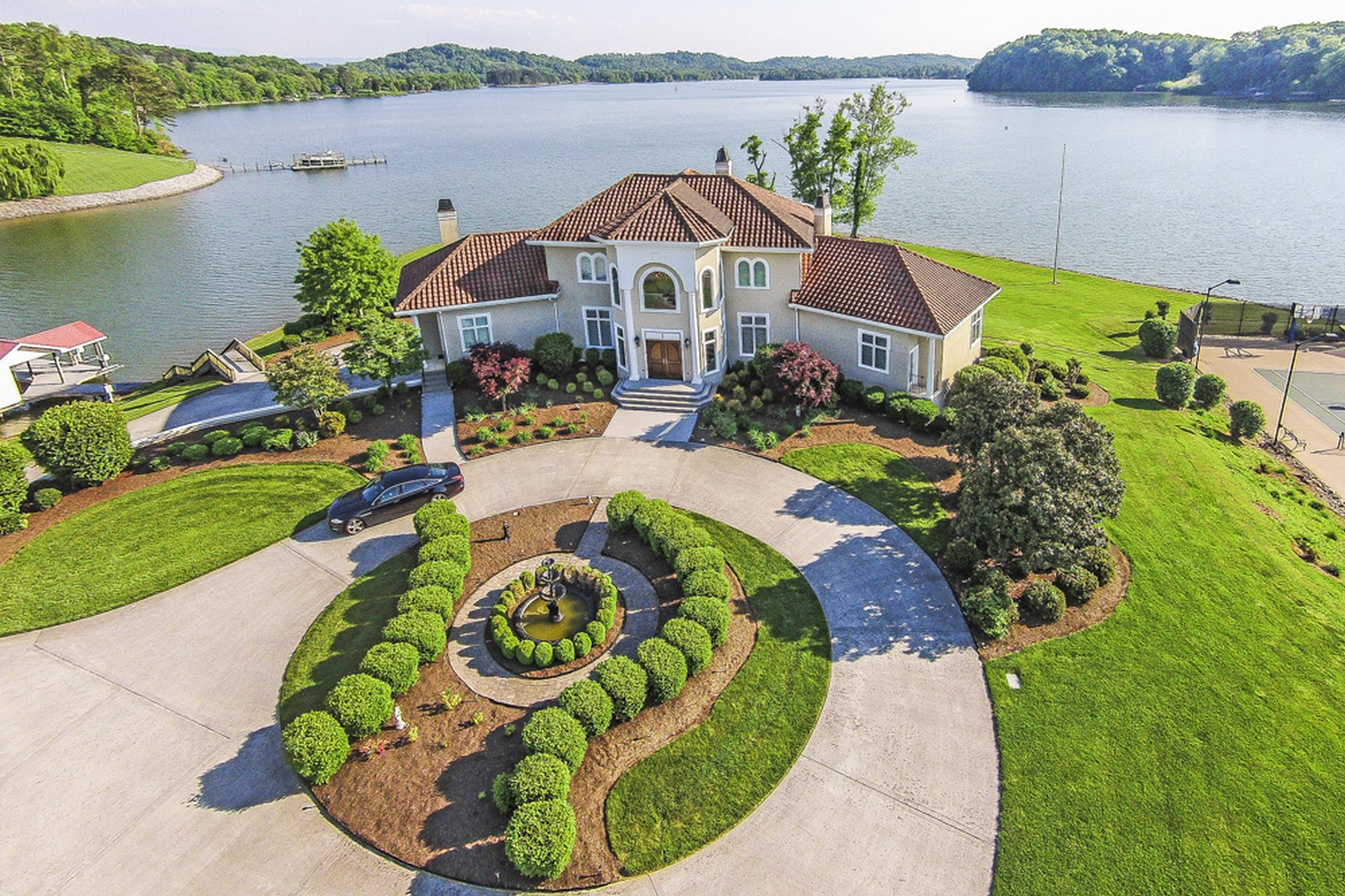 Single Family Home for Sale at Jackson Bend Lakefront Estate 3801 Jackson Bend Drive Louisville, Tennessee 37777 United States