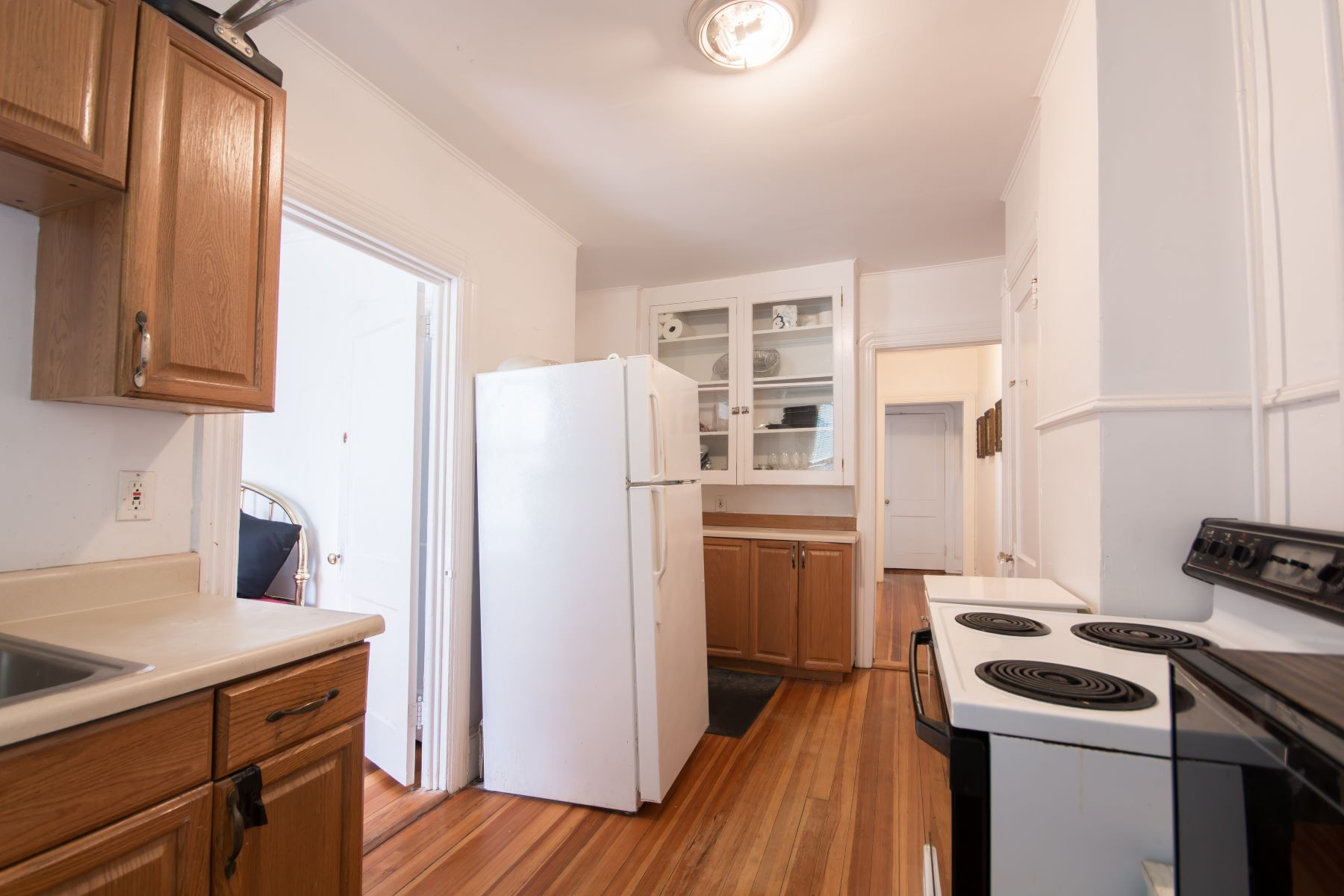 Additional photo for property listing at Centrally Located Condominium 2 4 Newport Avenue B1 Newport, Rhode Island 02840 United States