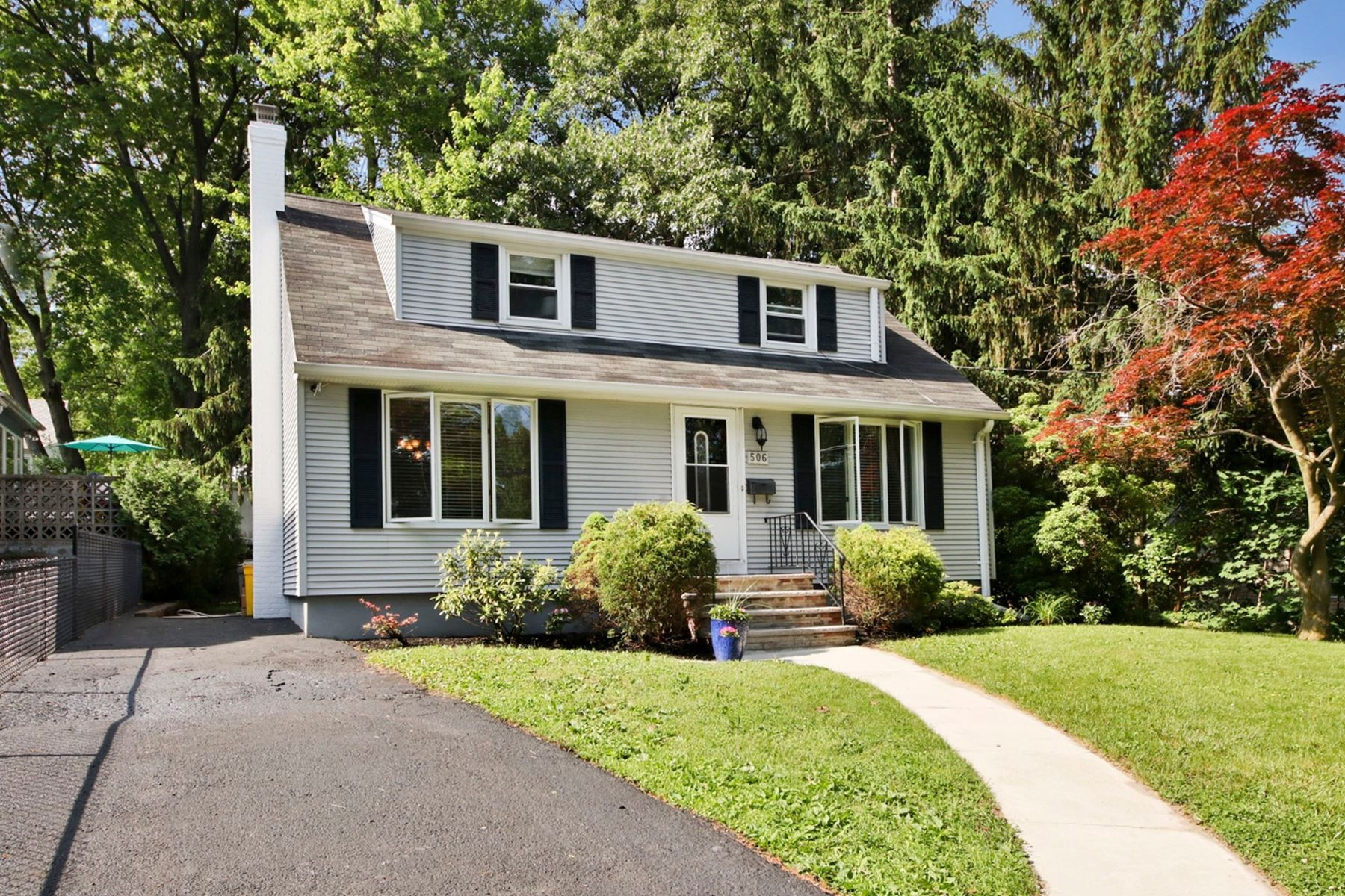 Single Family Home for Sale at Beautifully Renovated 506 Elizabeth St, New Milford, New Jersey 07646 United States
