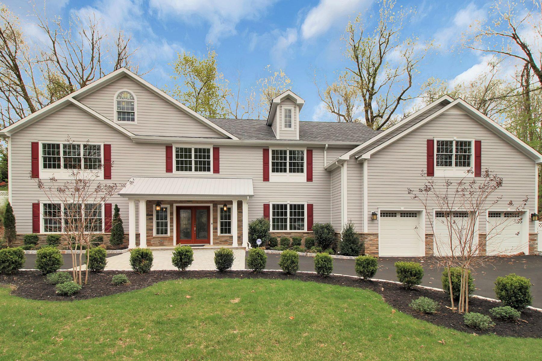 独户住宅 为 销售 在 Custom Colonial ! 325 Runnymede Rd Essex Fells, 新泽西州 07021 美国