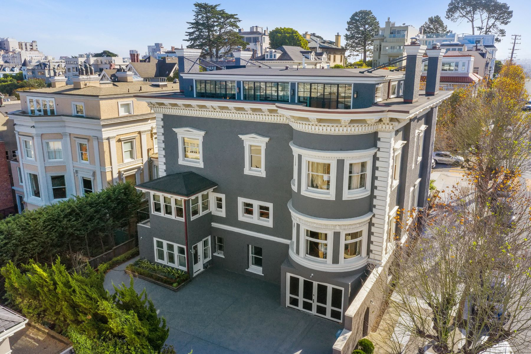 Additional photo for property listing at Timeless And Glamours Pacific Heights Designer Masterpiece 2698 Pacific Avenue San Francisco, California 94115 Estados Unidos