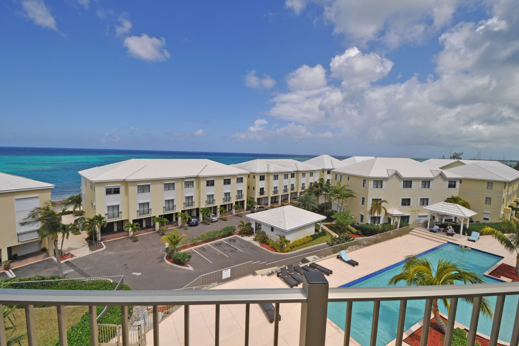 Additional photo for property listing at Columbus Cove #210 Penthouse Unit, Love Beach Columbus Cove, Love Beach, New Providence/Nassau Bahamas