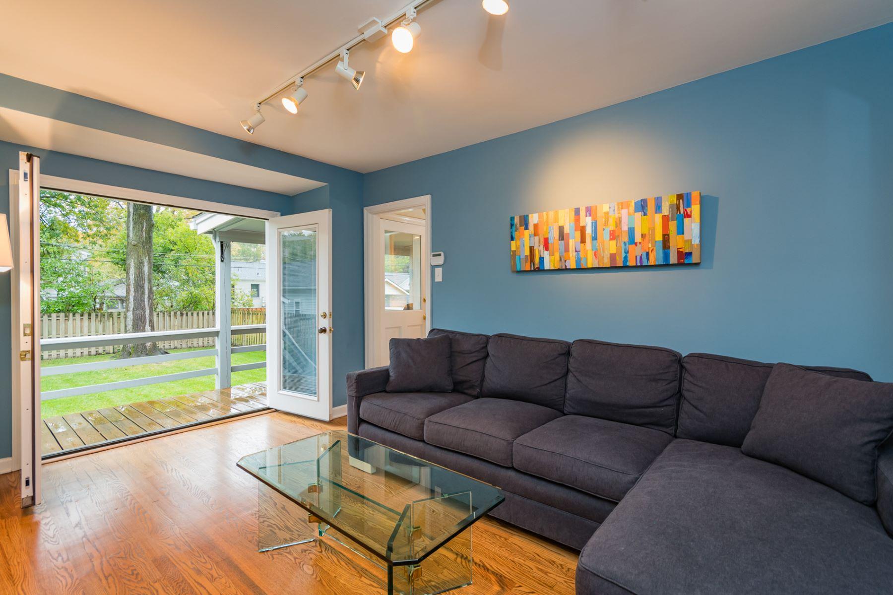 Additional photo for property listing at Midpark Lane 24 Midpark Lane Ladue, Missouri 63124 United States