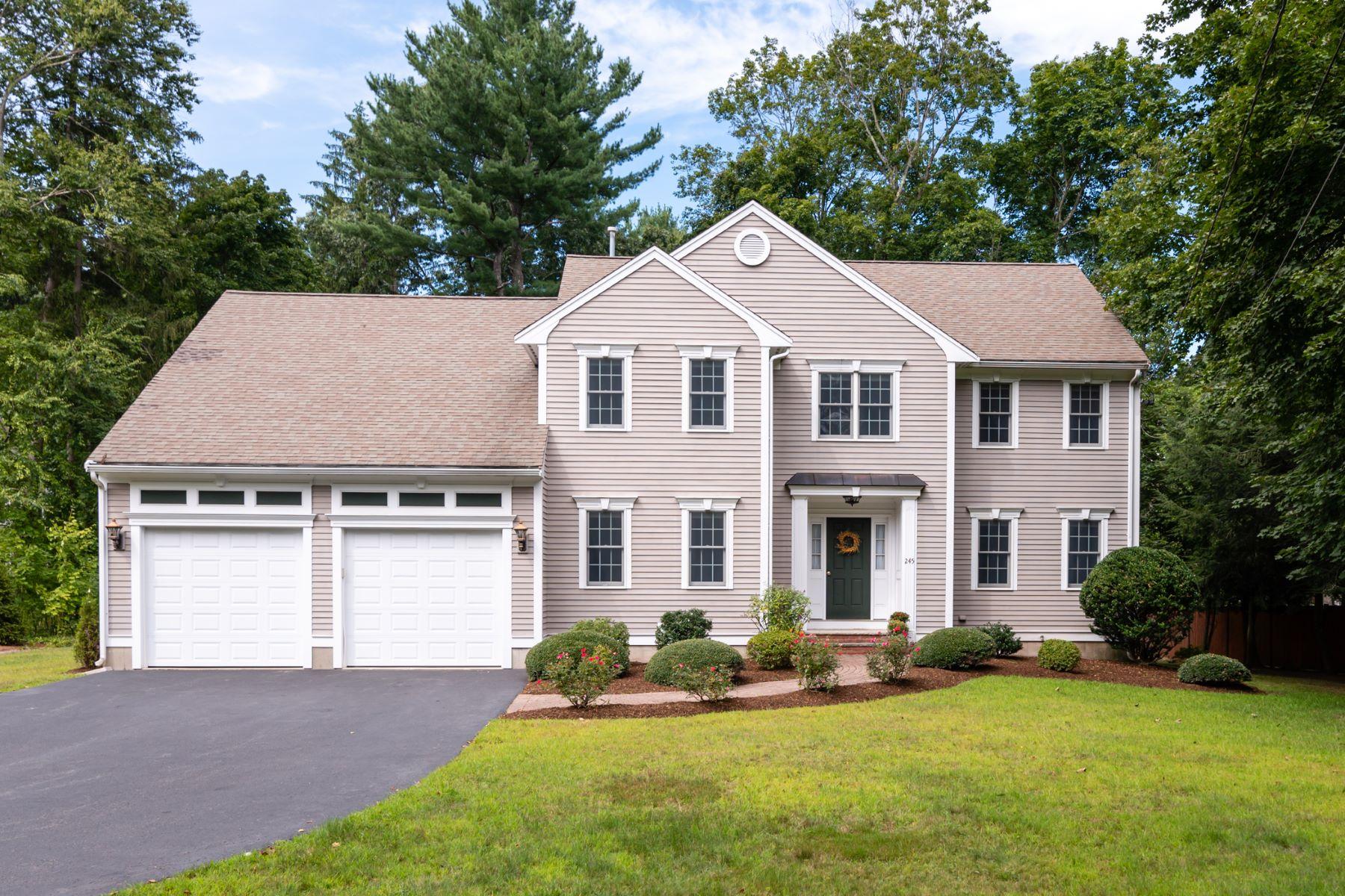 Single Family Homes 为 销售 在 245 Concord Road 贝德福德, 马萨诸塞州 01730 美国