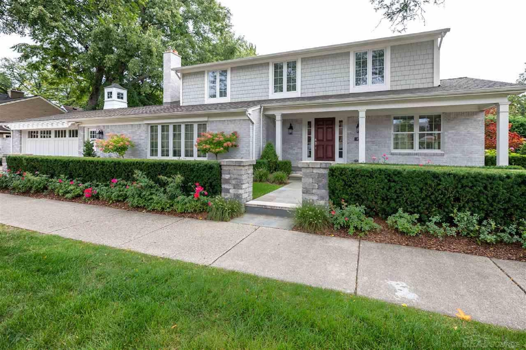 Single Family Homes for Sale at Grosse Pointe Farms 150 Kercheval, Grosse Pointe Farms, Michigan 48236 United States