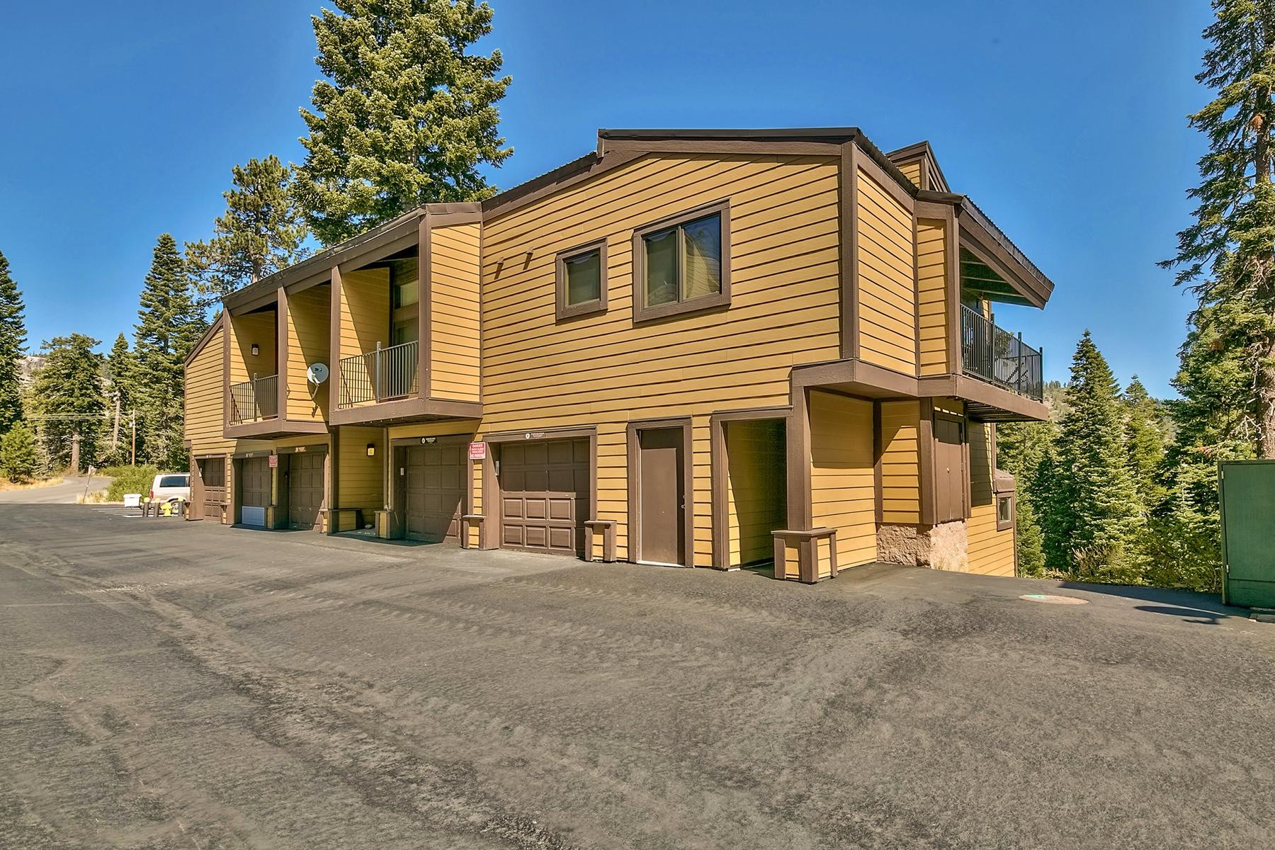 共管式独立产权公寓 为 销售 在 2090 Chalet Road #6, Alpine Meadows CA 2090 Chalet Road #6 阿尔派恩, 加利福尼亚州 96146 美国