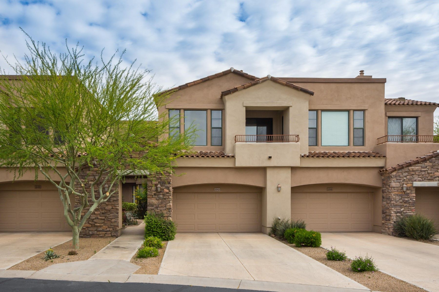 Townhouse for Sale at Single story ground level unit in the guarded Talon Retreat at Grayhawk 19550 N Grayhawk Dr #1013 Scottsdale, Arizona, 85255 United States