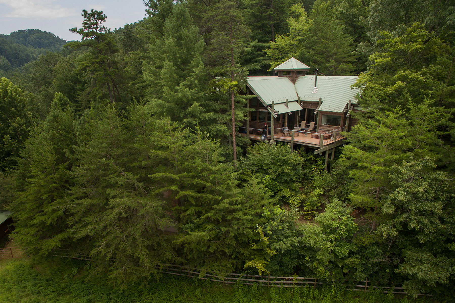 Single Family Homes for Sale at LEATHERWOOD MOUNTAIN - FERGUSON 992 Wild Turkey Rd Ferguson, North Carolina 28624 United States
