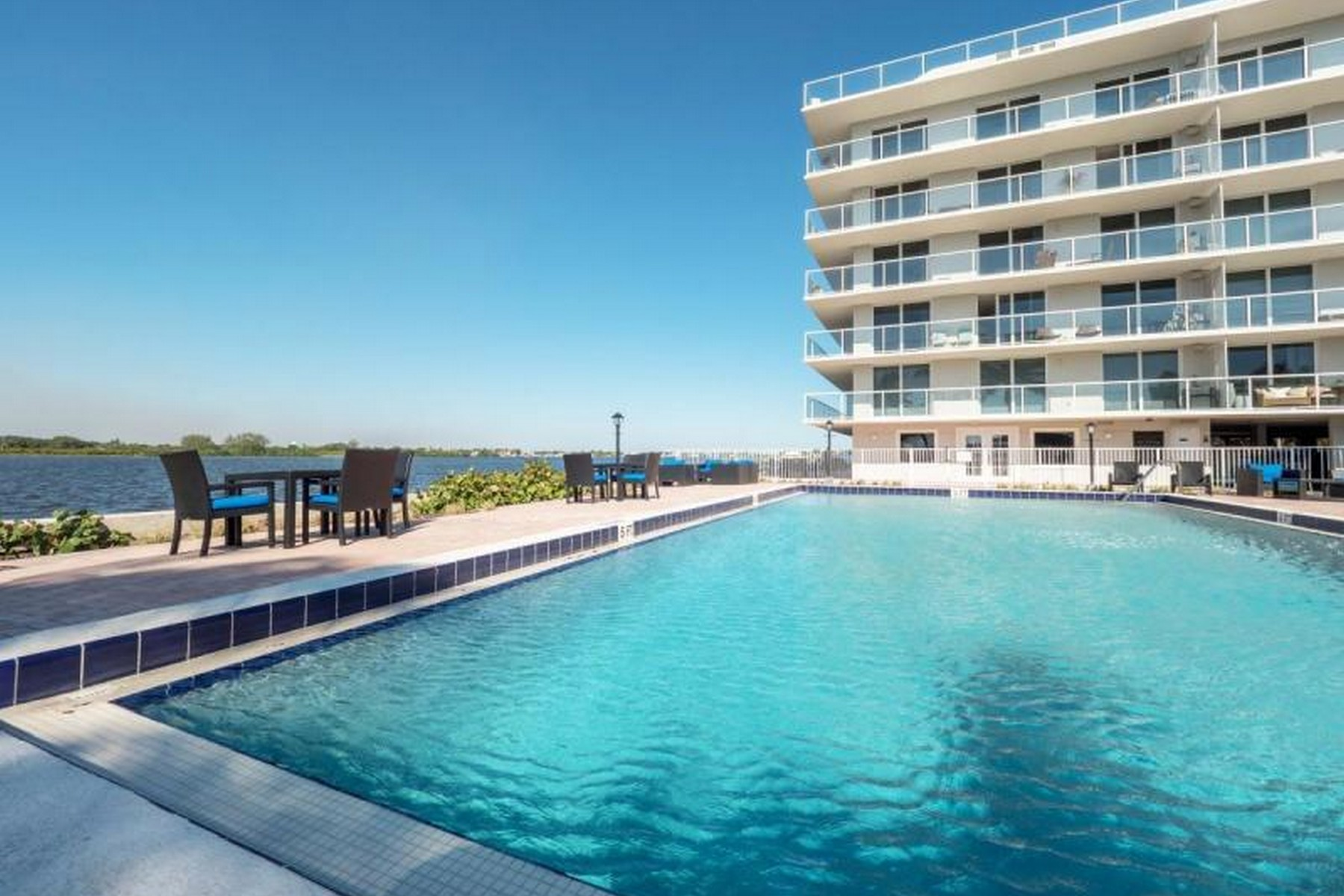 Additional photo for property listing at Rare Turnkey Rental with Amenities Galore! 2560 S Ocean Boulevard Unit 612 Palm Beach, Florida 33480 United States