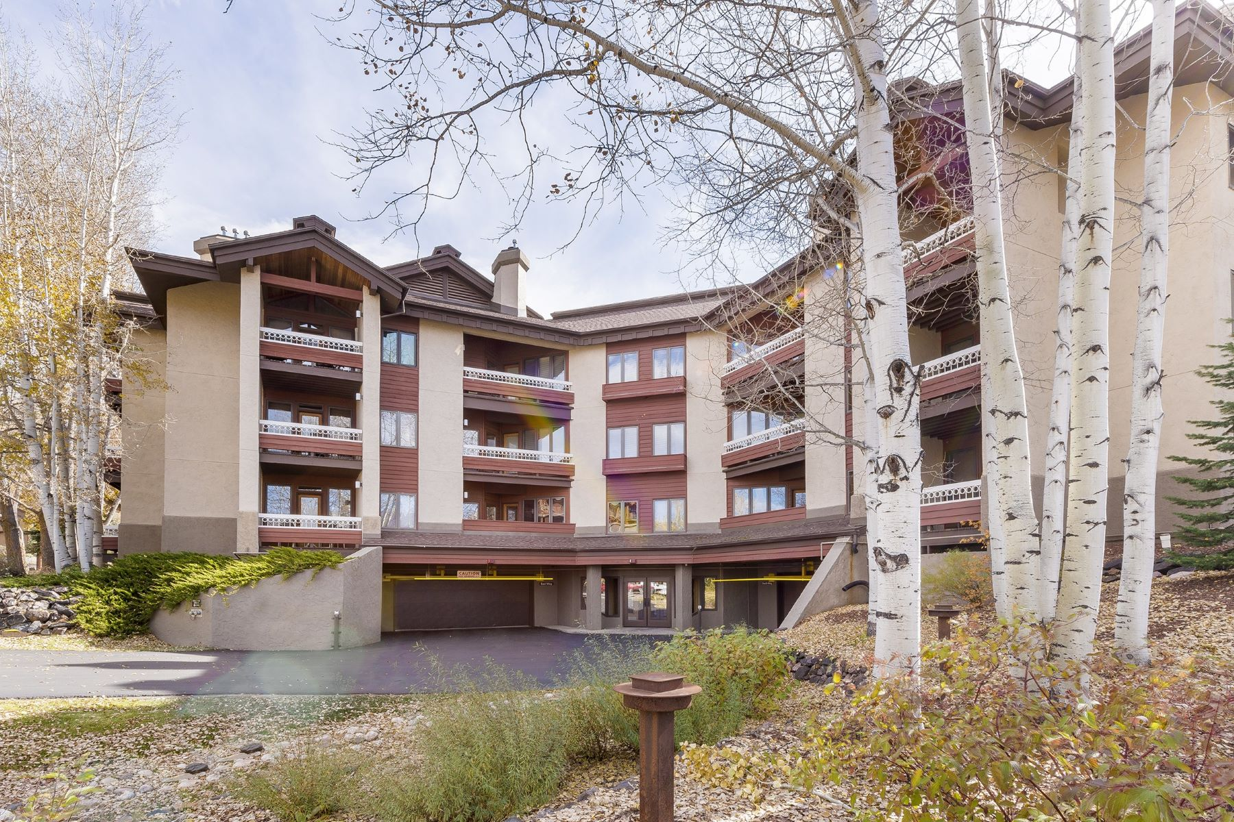 Additional photo for property listing at Walk to the Ski Area 2800 Village Drive #1101 Steamboat Springs, Colorado 80487 United States