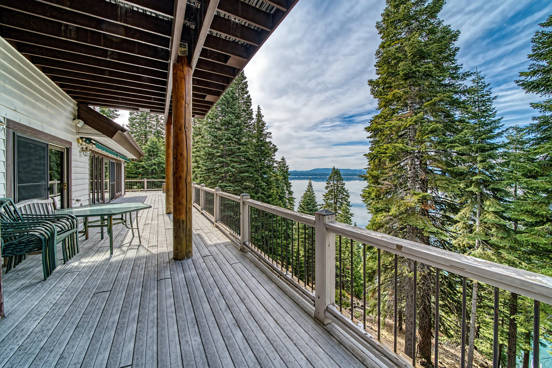 Additional photo for property listing at Beautiful lake front home 925 Lassen View Drive Lake Almanor, 加利福尼亚州 96137 美国